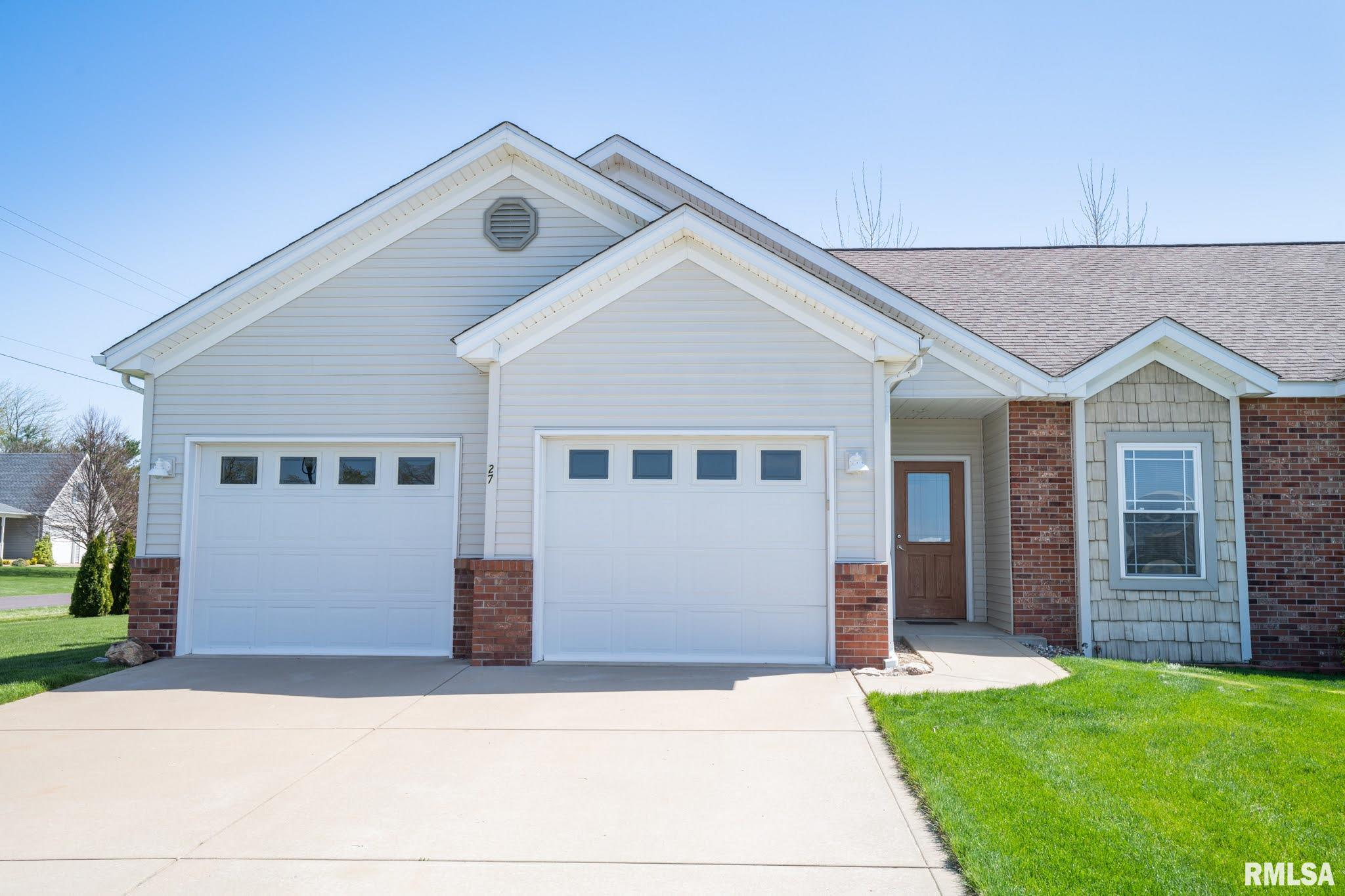 27 CANDLEWICK Property Photo - Minier, IL real estate listing