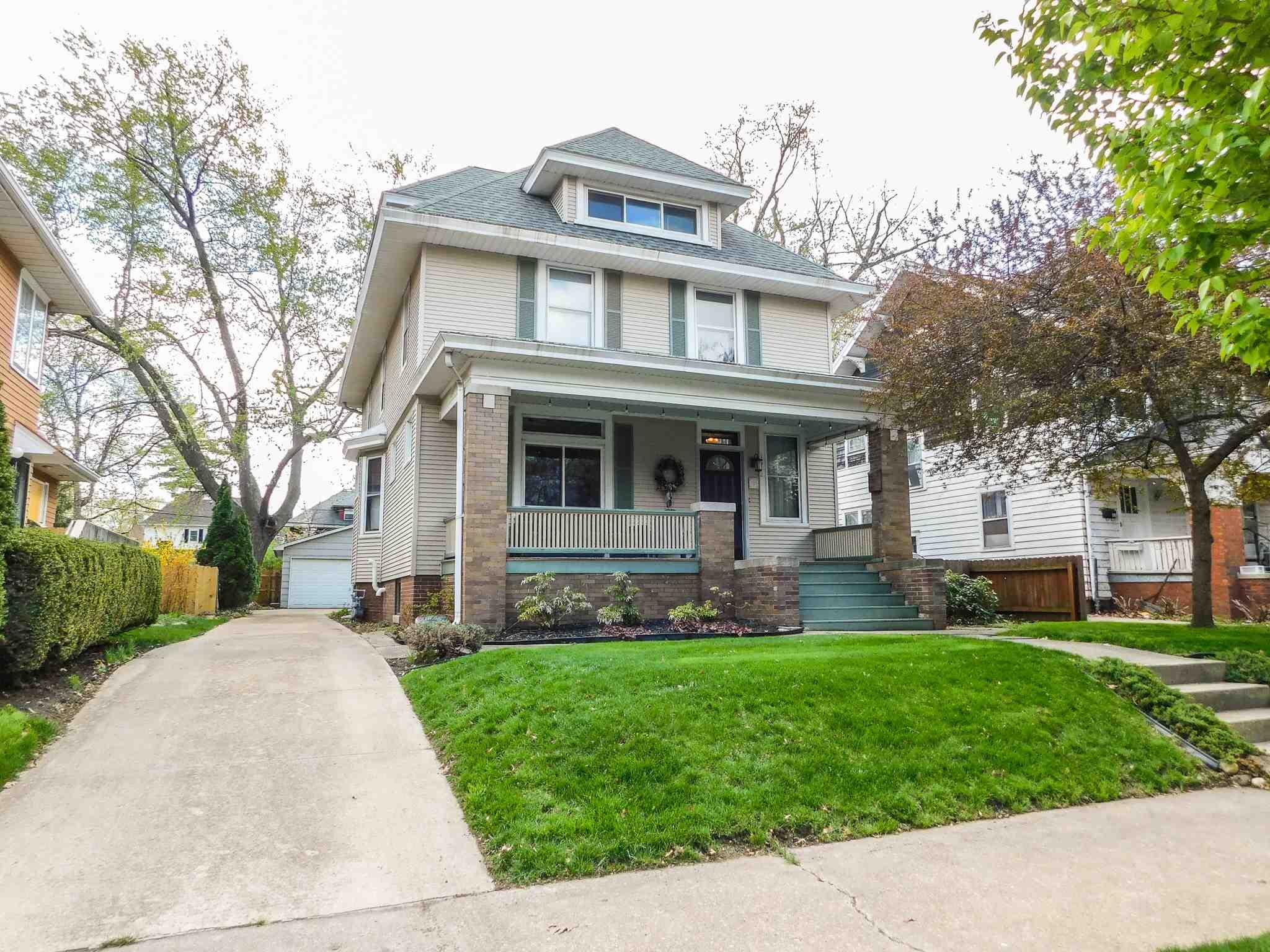 1612 W CALLENDER Property Photo - Peoria, IL real estate listing