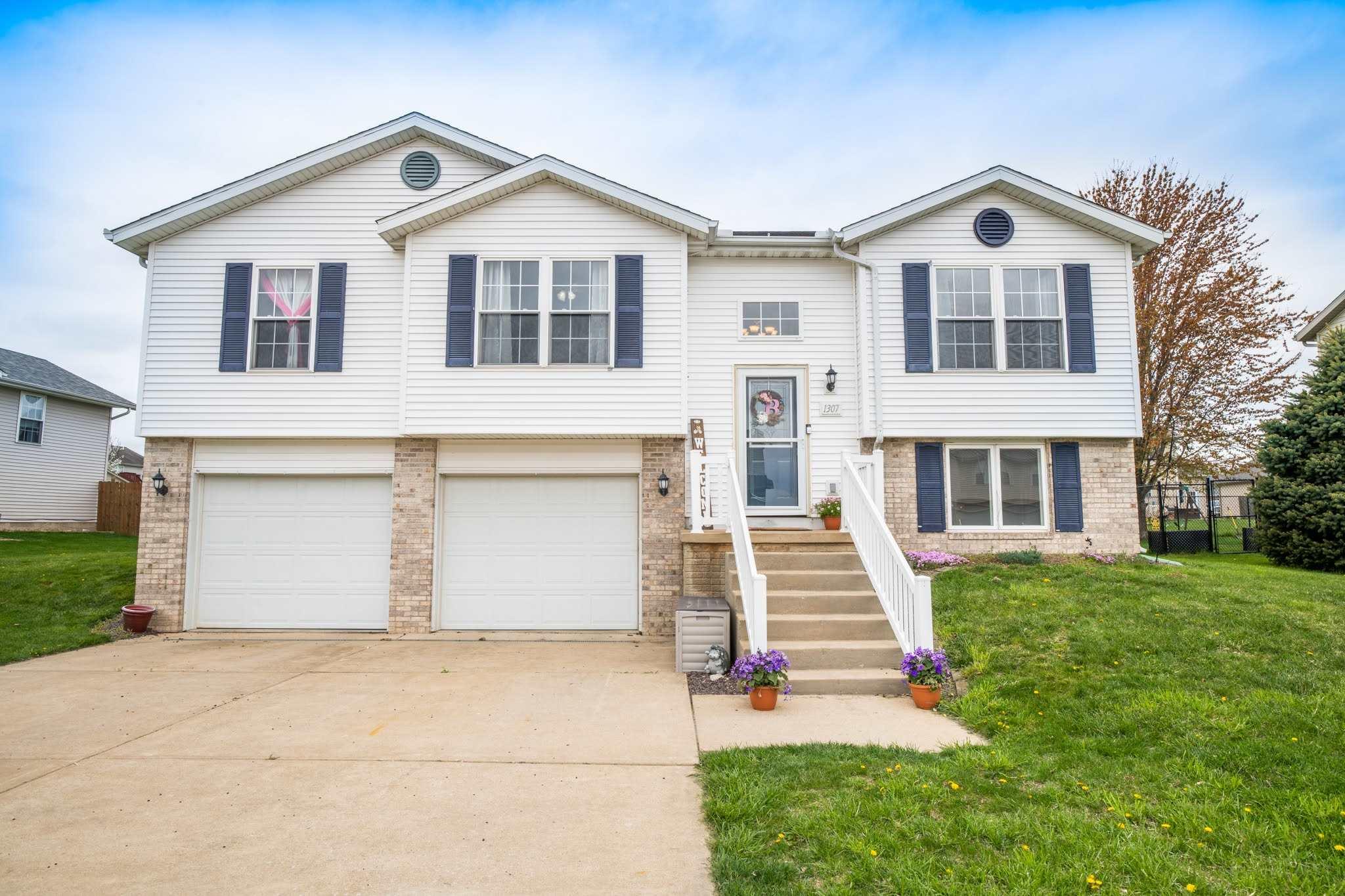 1307 WHITE HORSE Property Photo - Metamora, IL real estate listing