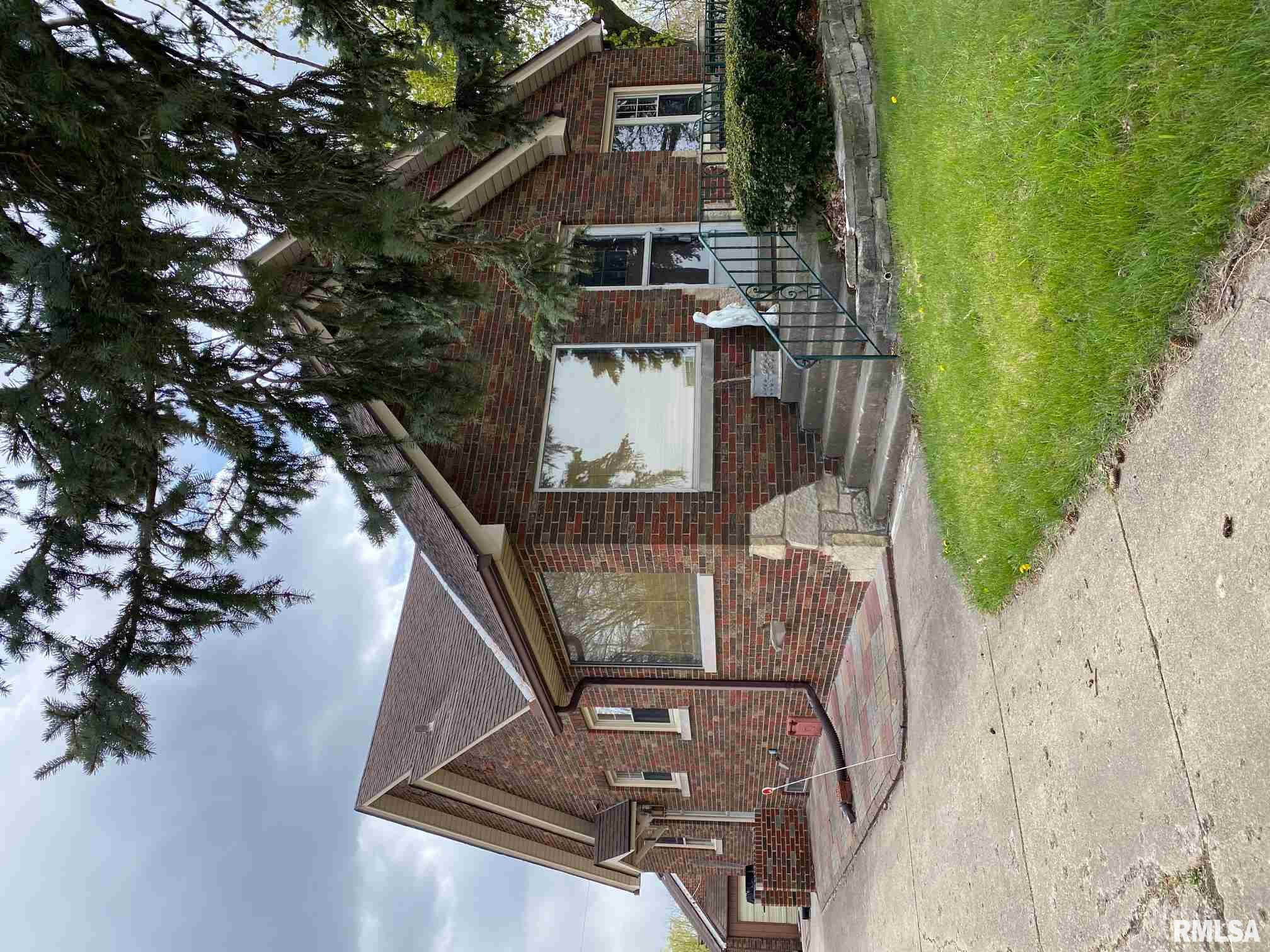 400 FONDULAC Property Photo - East Peoria, IL real estate listing