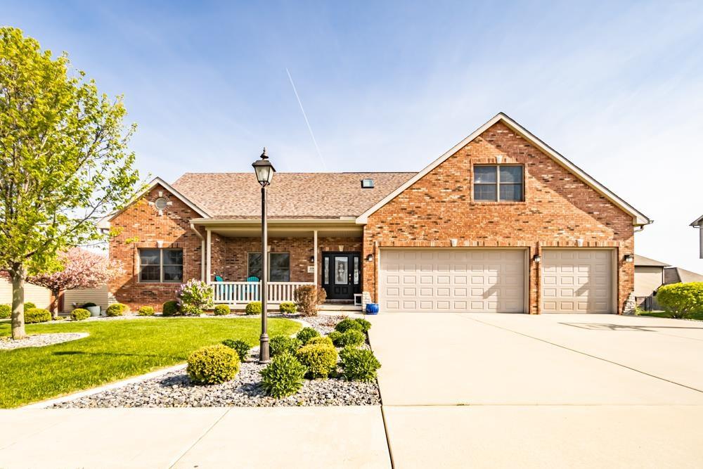 104 PINEHURST Property Photo - Washington, IL real estate listing