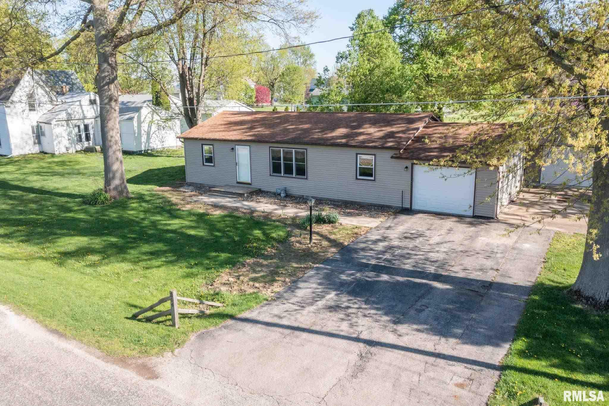 304 W BISHOP Property Photo - Yates City, IL real estate listing