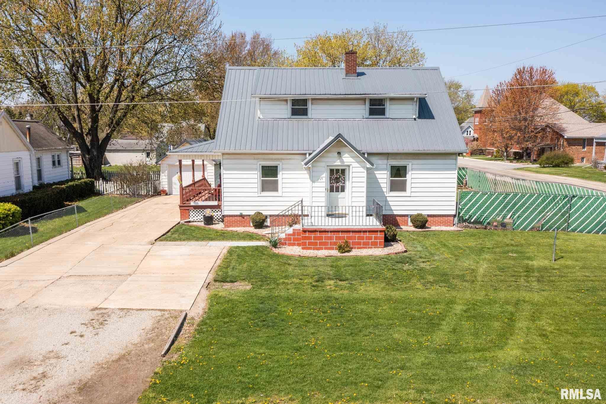 107 N UNION Property Photo - Yates City, IL real estate listing