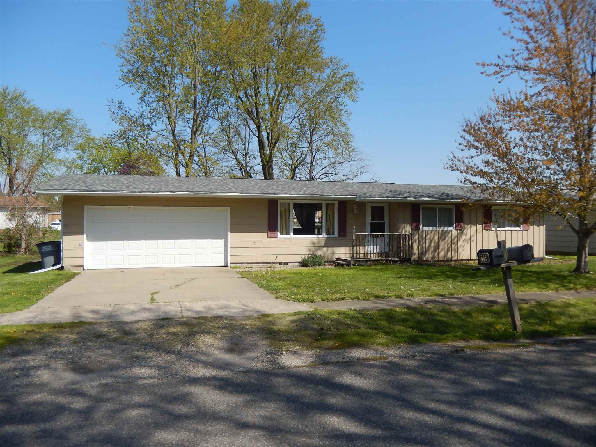 603 SHERRY Property Photo - Colchester, IL real estate listing