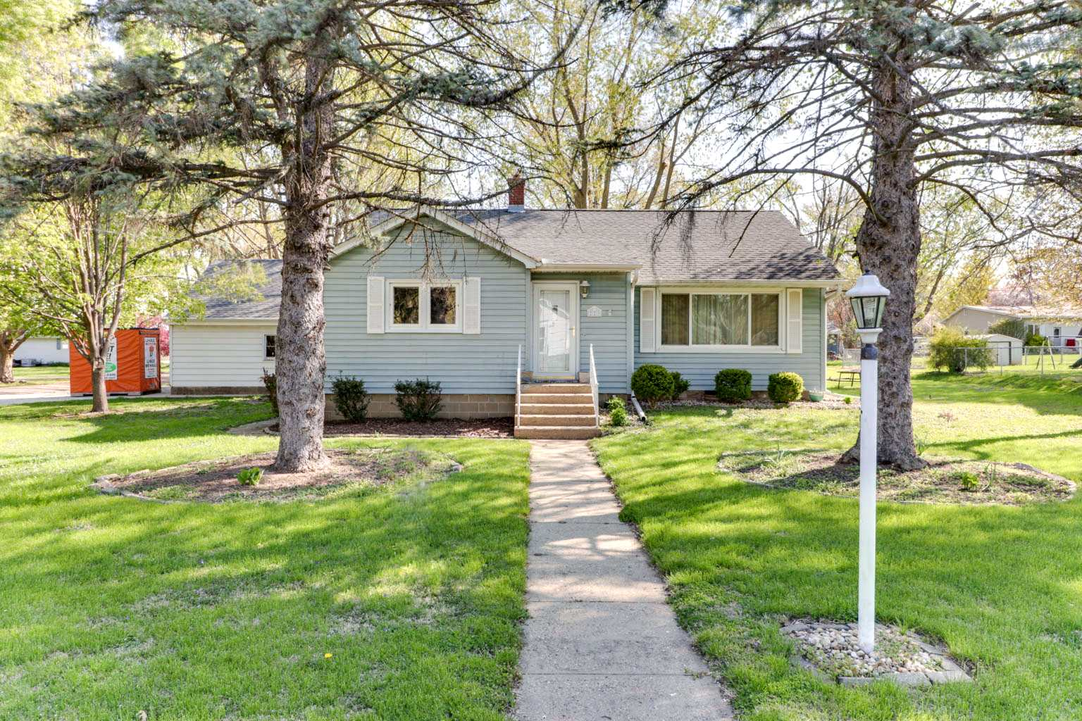 229 NW JEFFERSON Property Photo - Hopedale, IL real estate listing