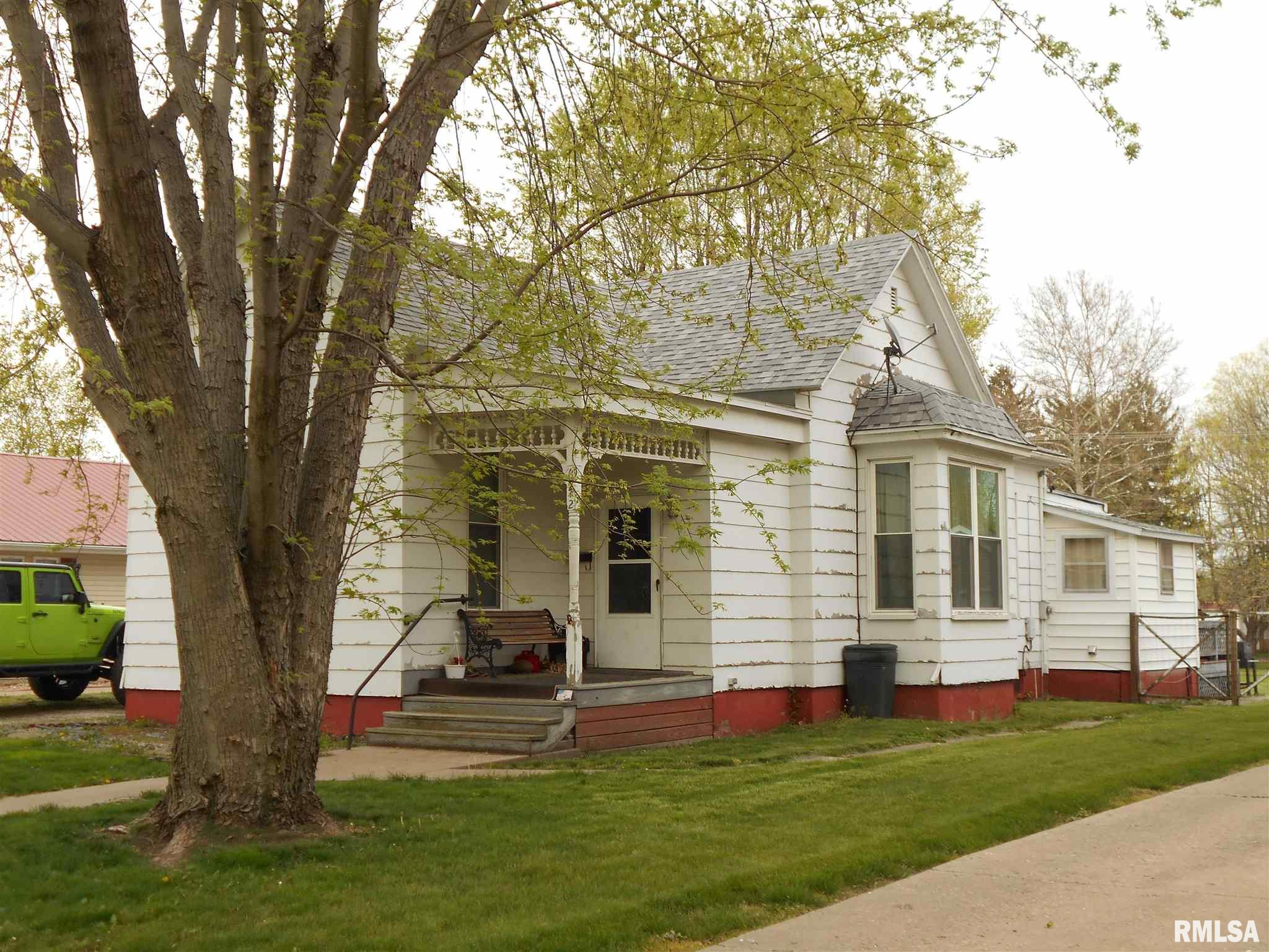 642 N Rile Property Photo - Bushnell, IL real estate listing