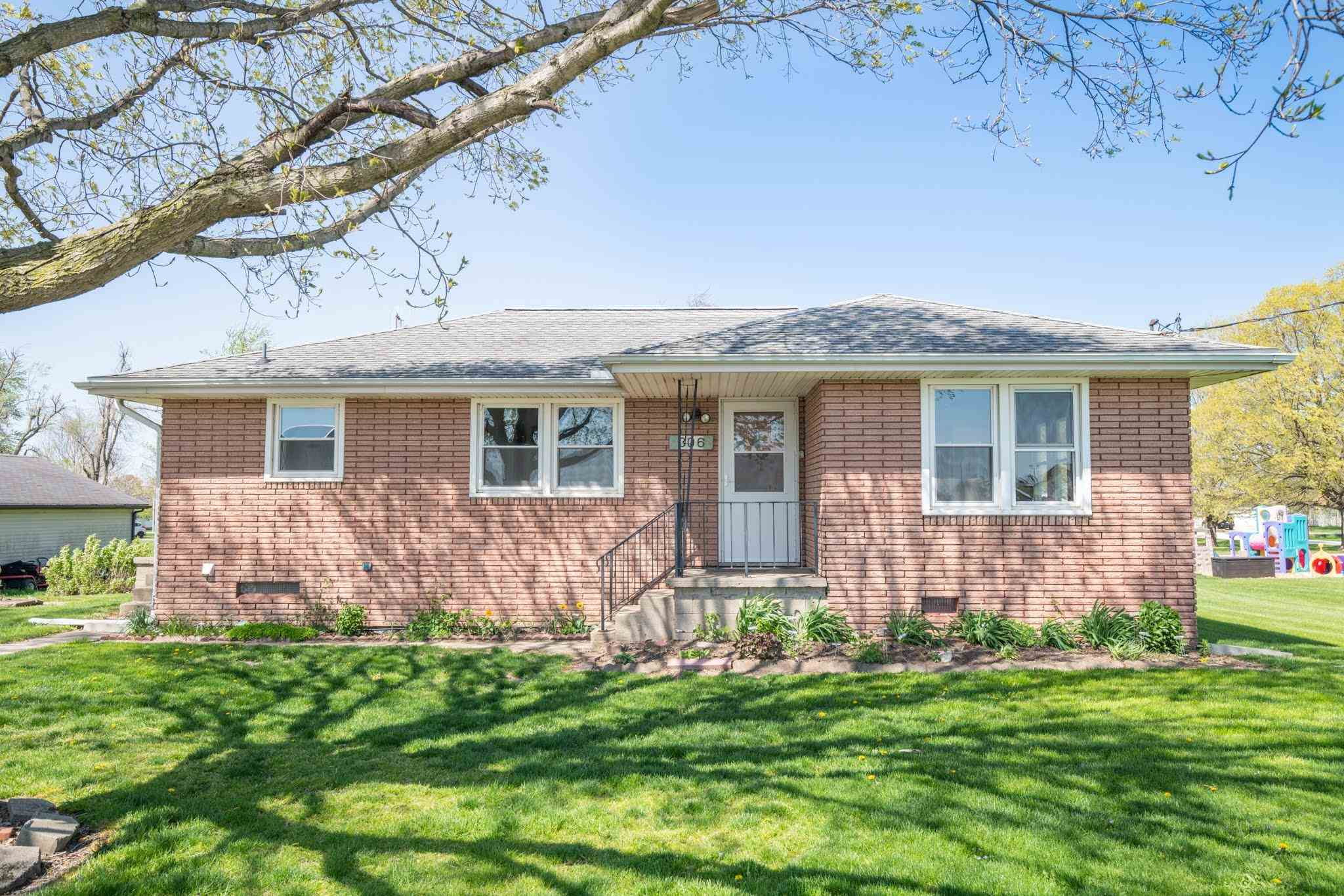 306 S MAIN Property Photo - Deer Creek, IL real estate listing