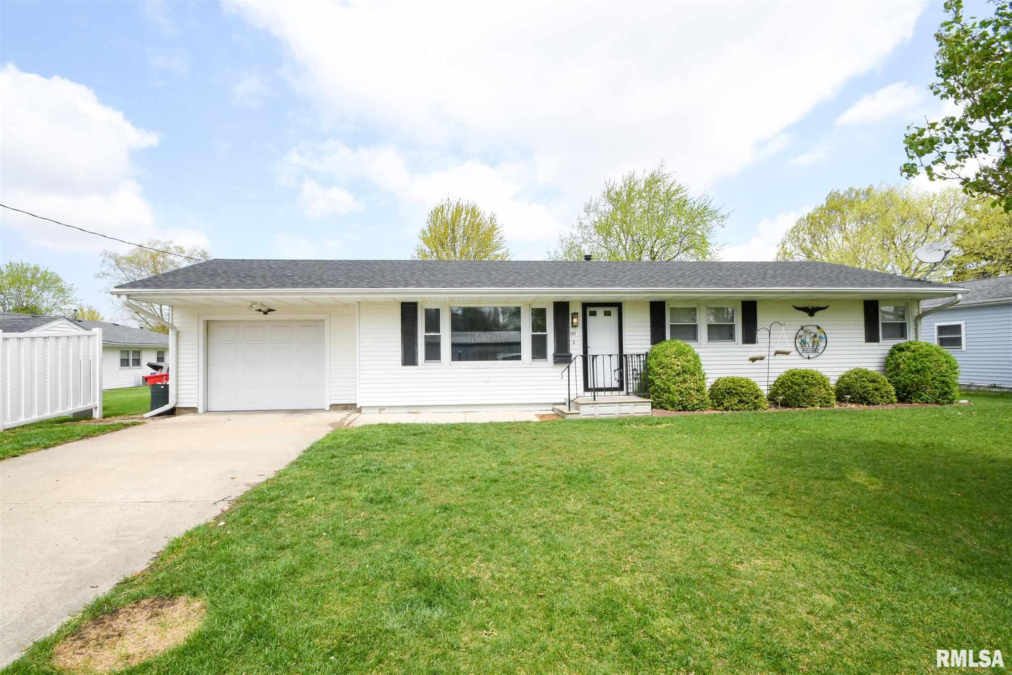 509 W BUTTERNUT Property Photo - Elmwood, IL real estate listing
