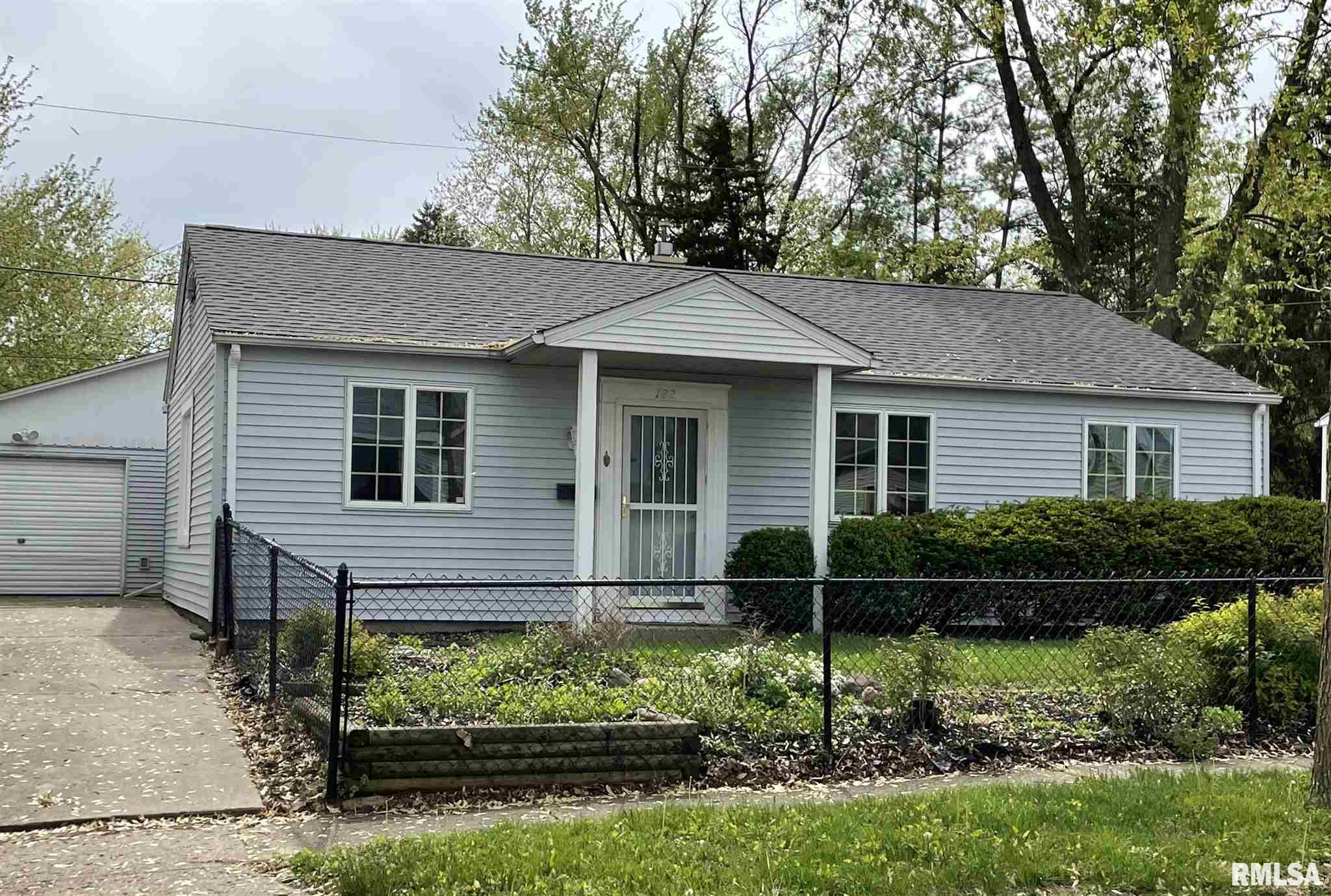 122 CAHOKIA Property Photo - Marquette Heights, IL real estate listing
