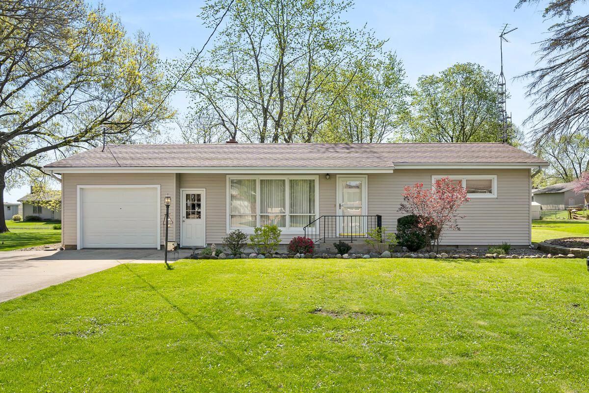 511 NE 2ND Property Photo - Hopedale, IL real estate listing