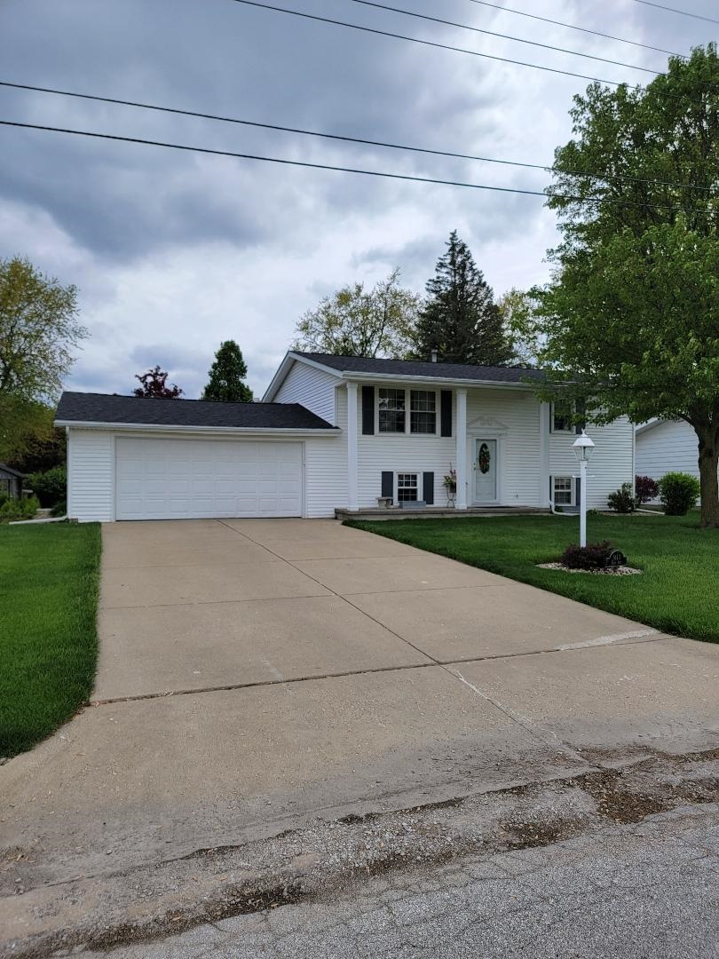 1440 E ASH Property Photo - Canton, IL real estate listing