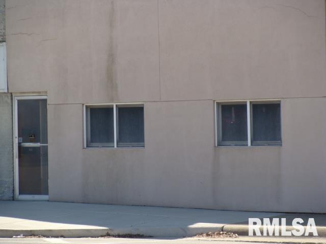 18 W FORT Property Photo - Farmington, IL real estate listing