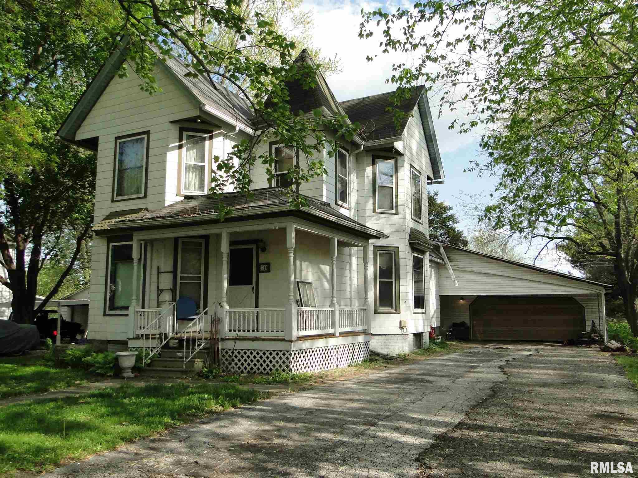 319 E CORTLAND Property Photo - Avon, IL real estate listing