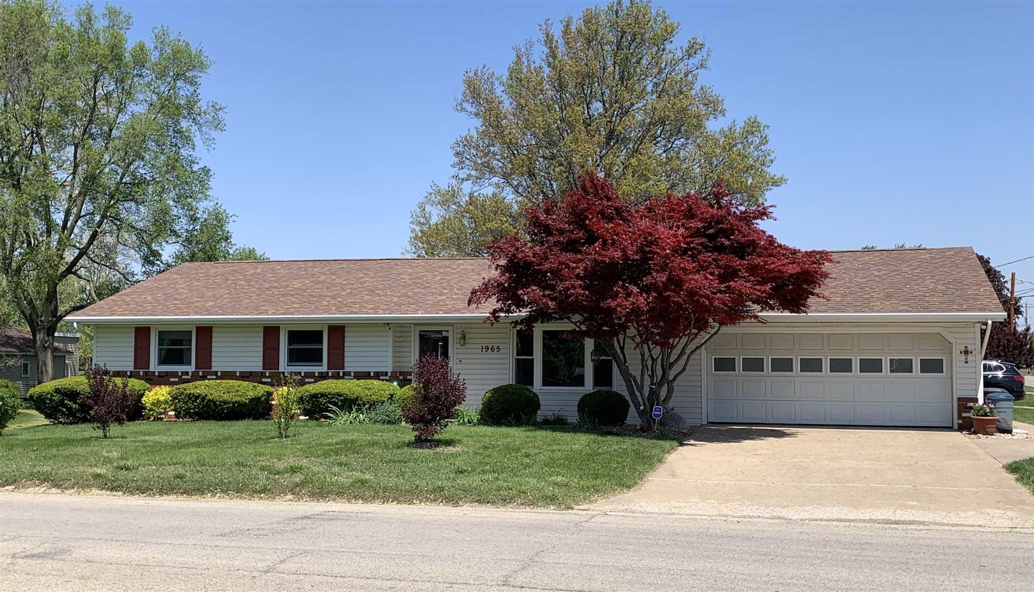 1965 E CHESTNUT Property Photo - Canton, IL real estate listing