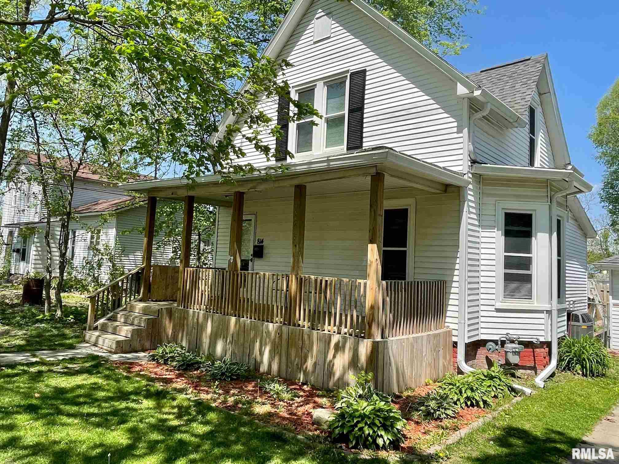 814 E THIRD Property Photo - Monmouth, IL real estate listing