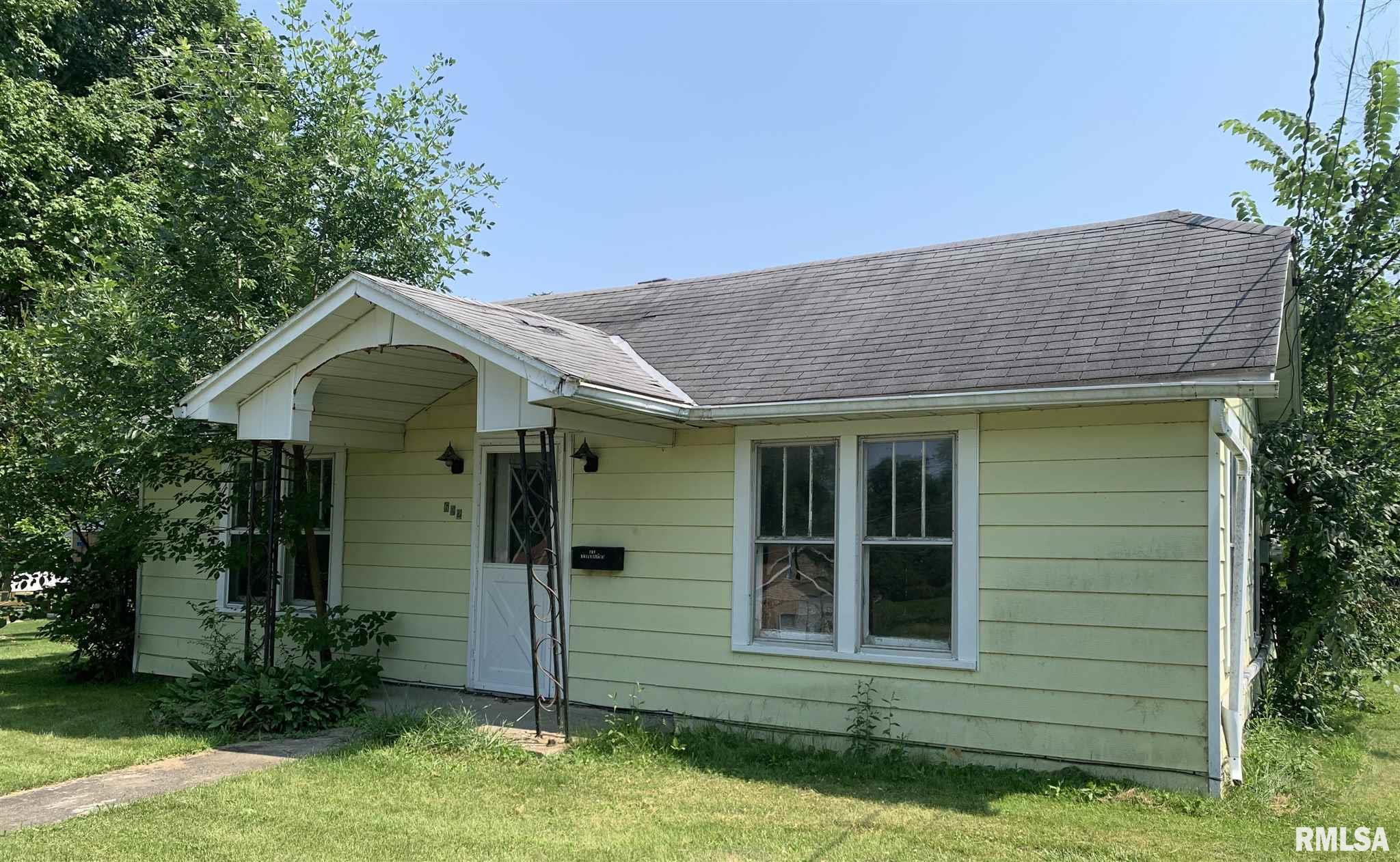 622 W Walnut Street Property Photo