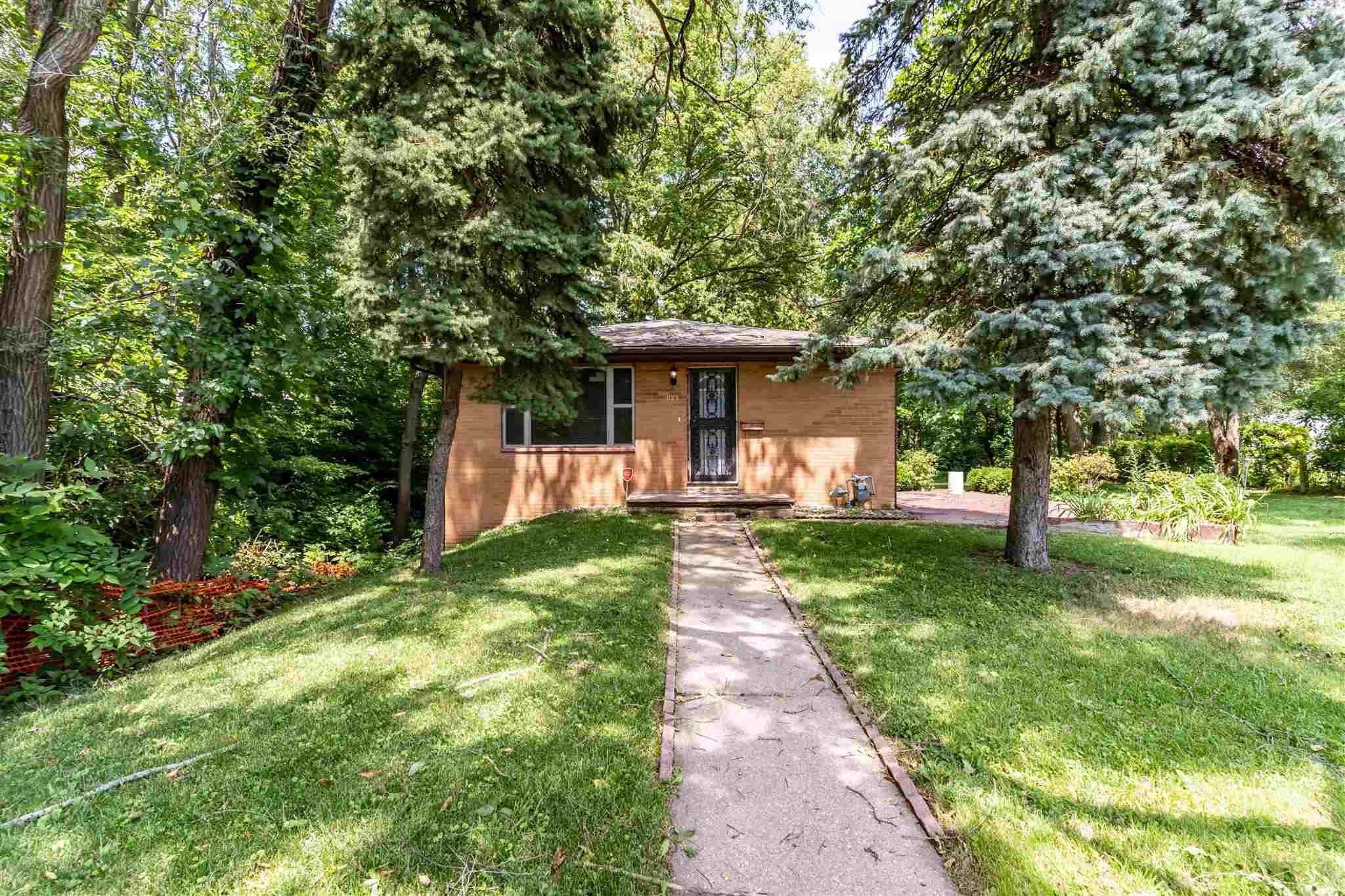 1023 W Nowland Avenue Property Photo