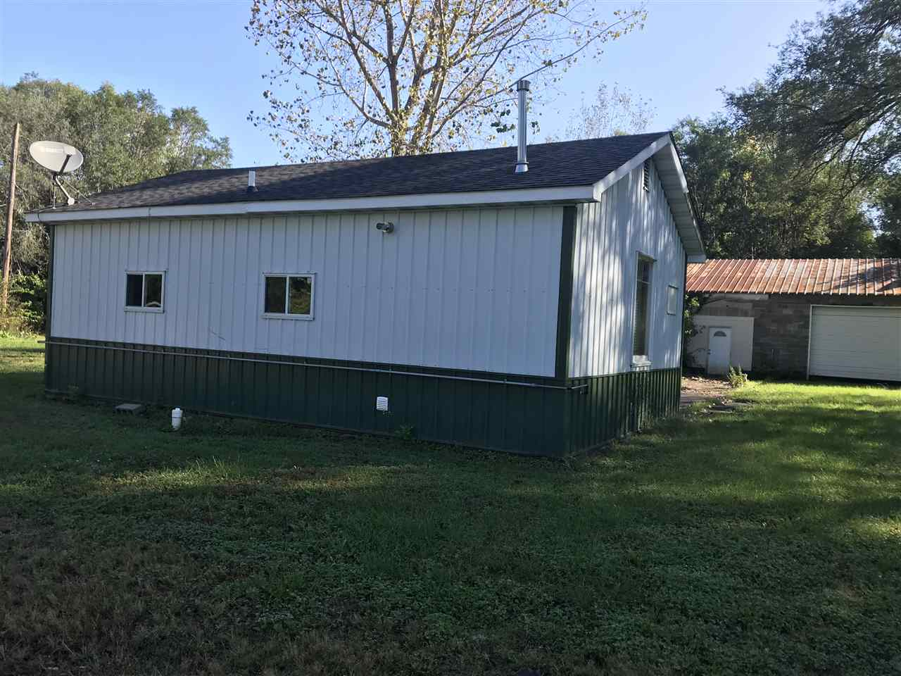403-405 JACKSON Property Photo - Hillsdale, IL real estate listing