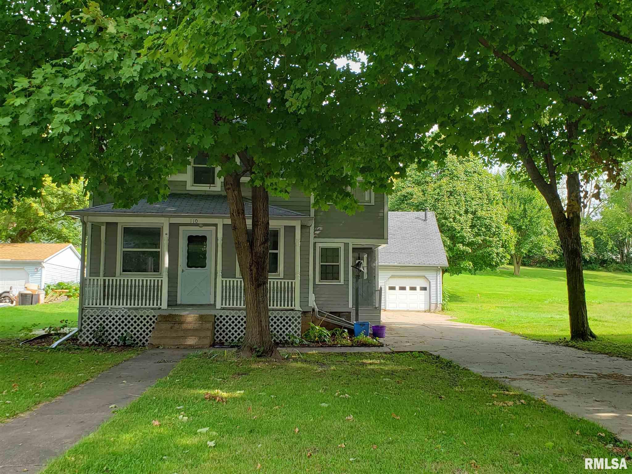 110 TOWNE Property Photo - Morrison, IL real estate listing