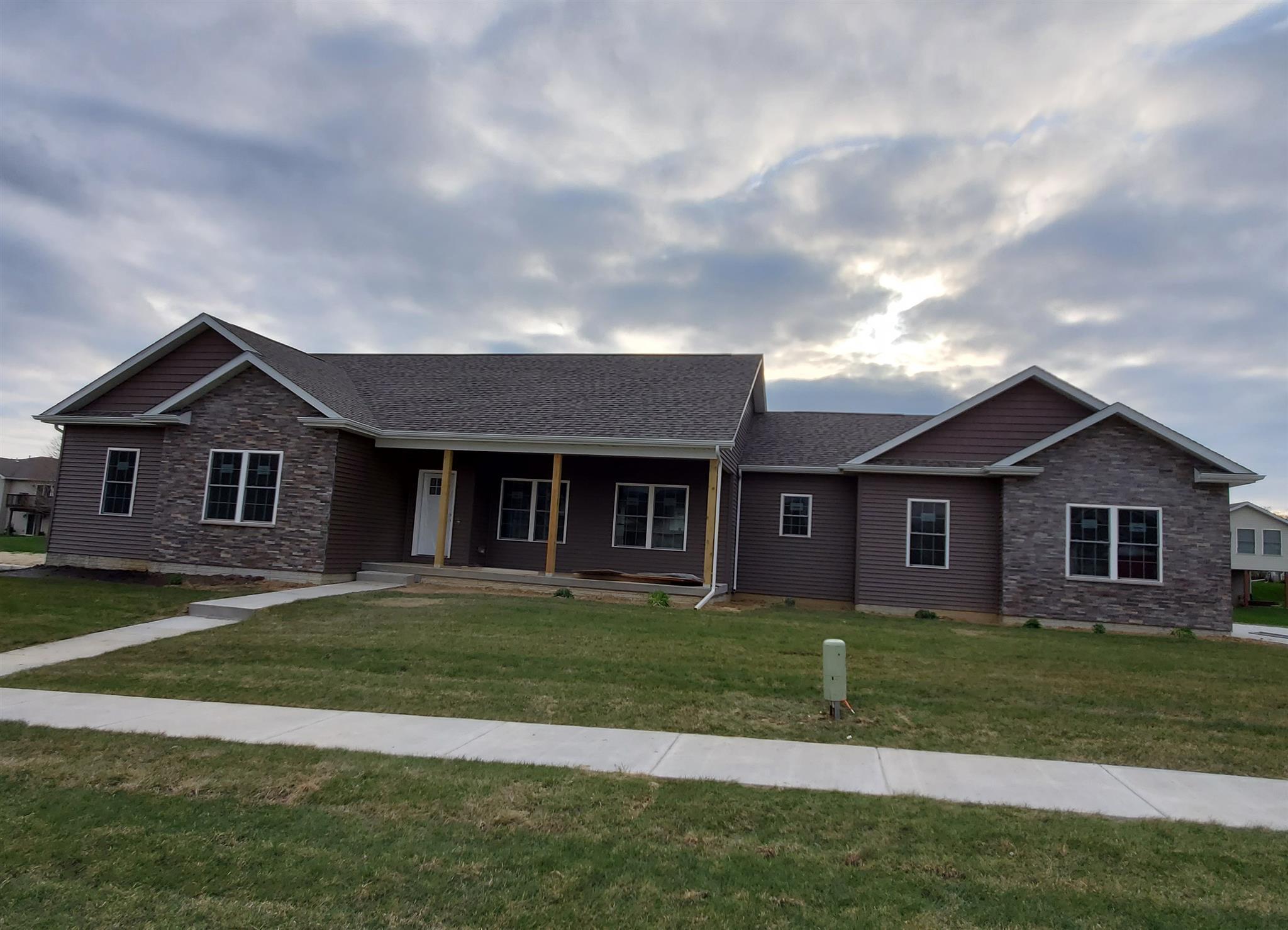 1704 E 6TH Property Photo - Coal Valley, IL real estate listing