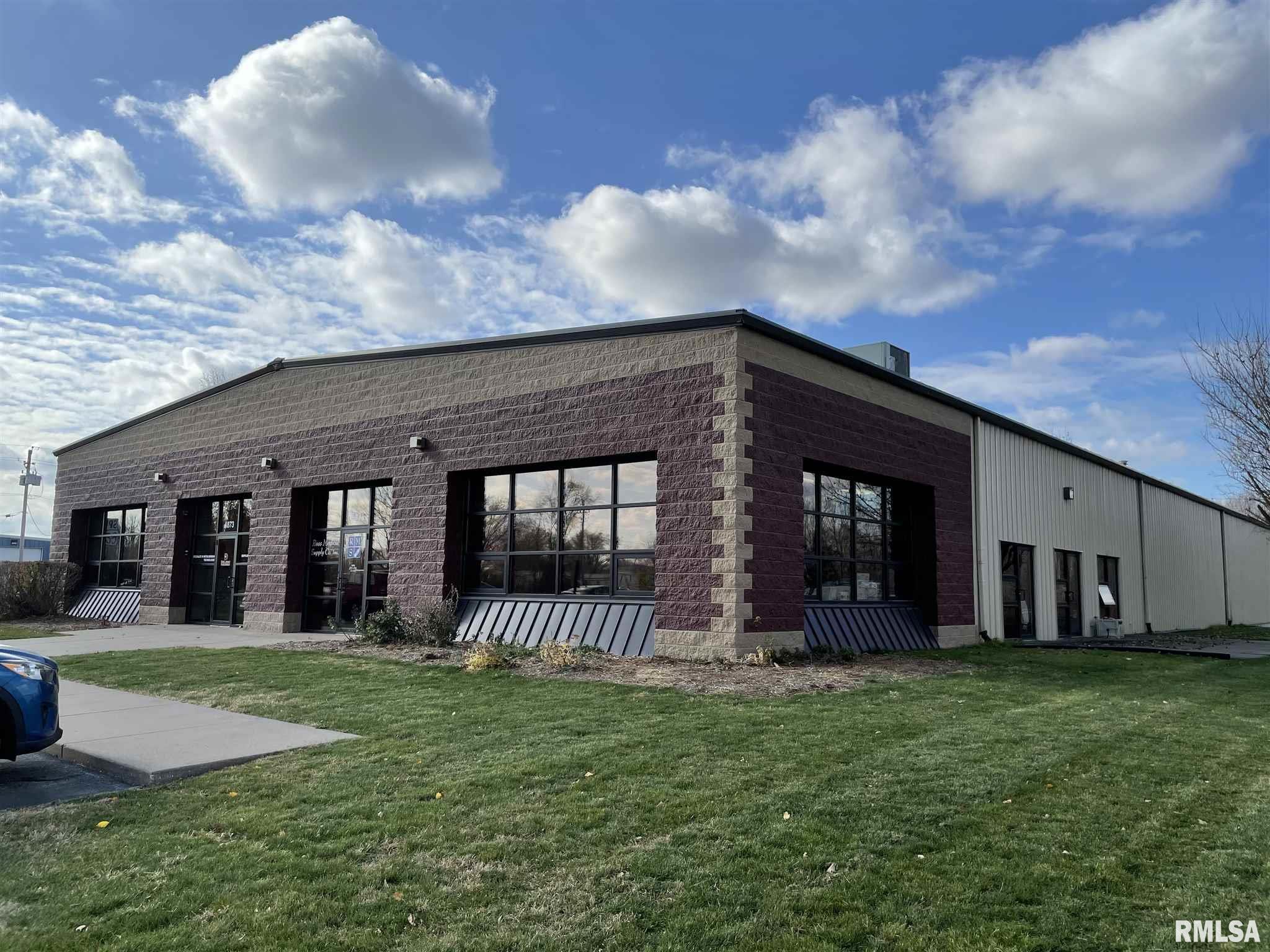 4871-4873 41ST Property Photo - Moline, IL real estate listing