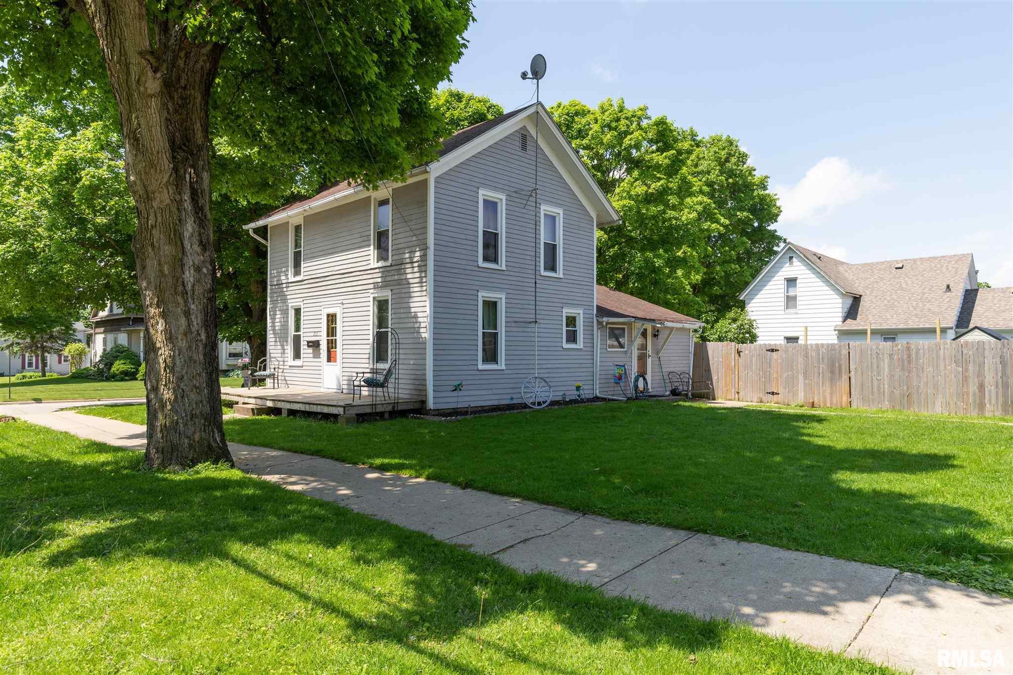 209 S ORANGE Property Photo - Morrison, IL real estate listing