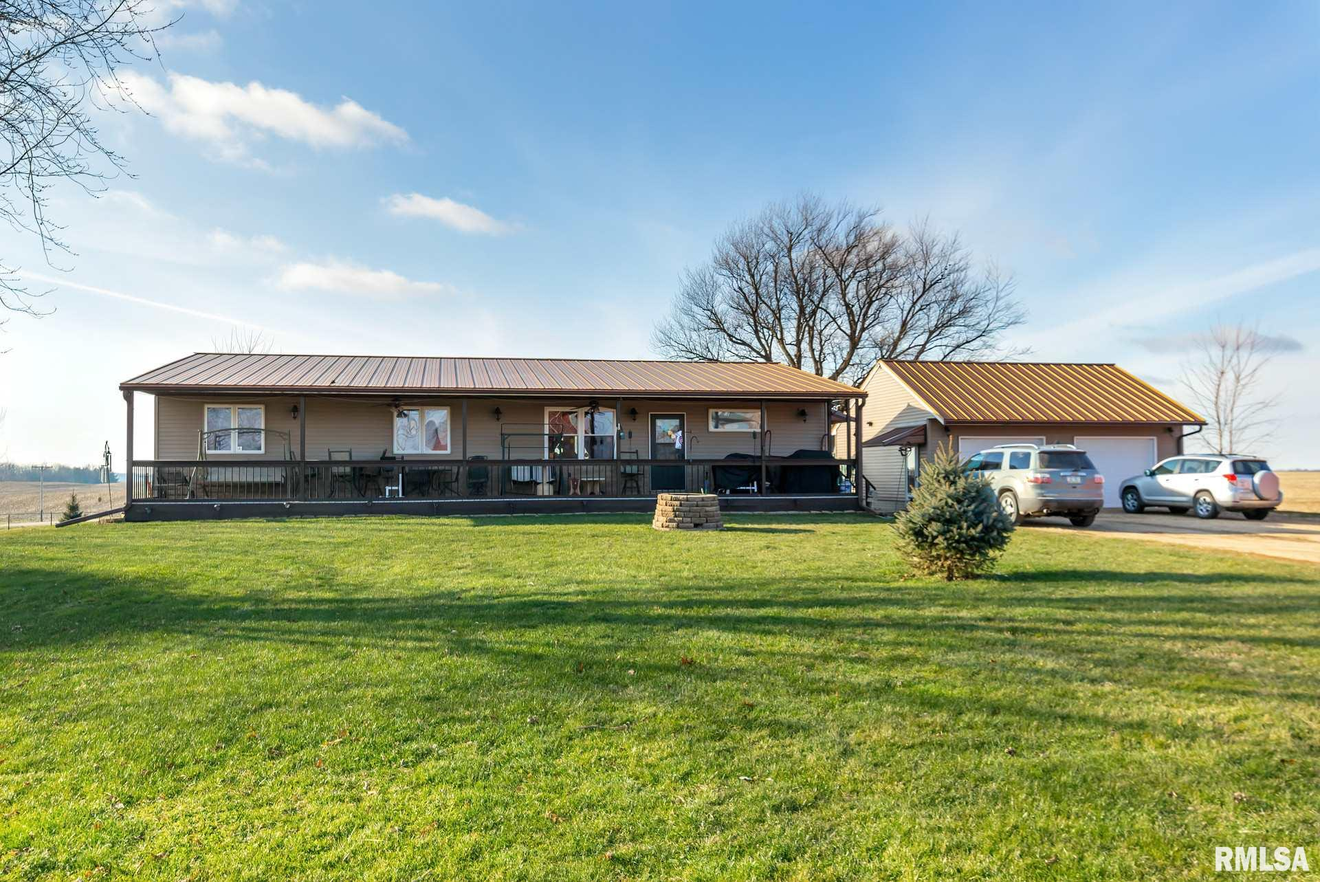 10450 COURT Property Photo - Morrison, IL real estate listing