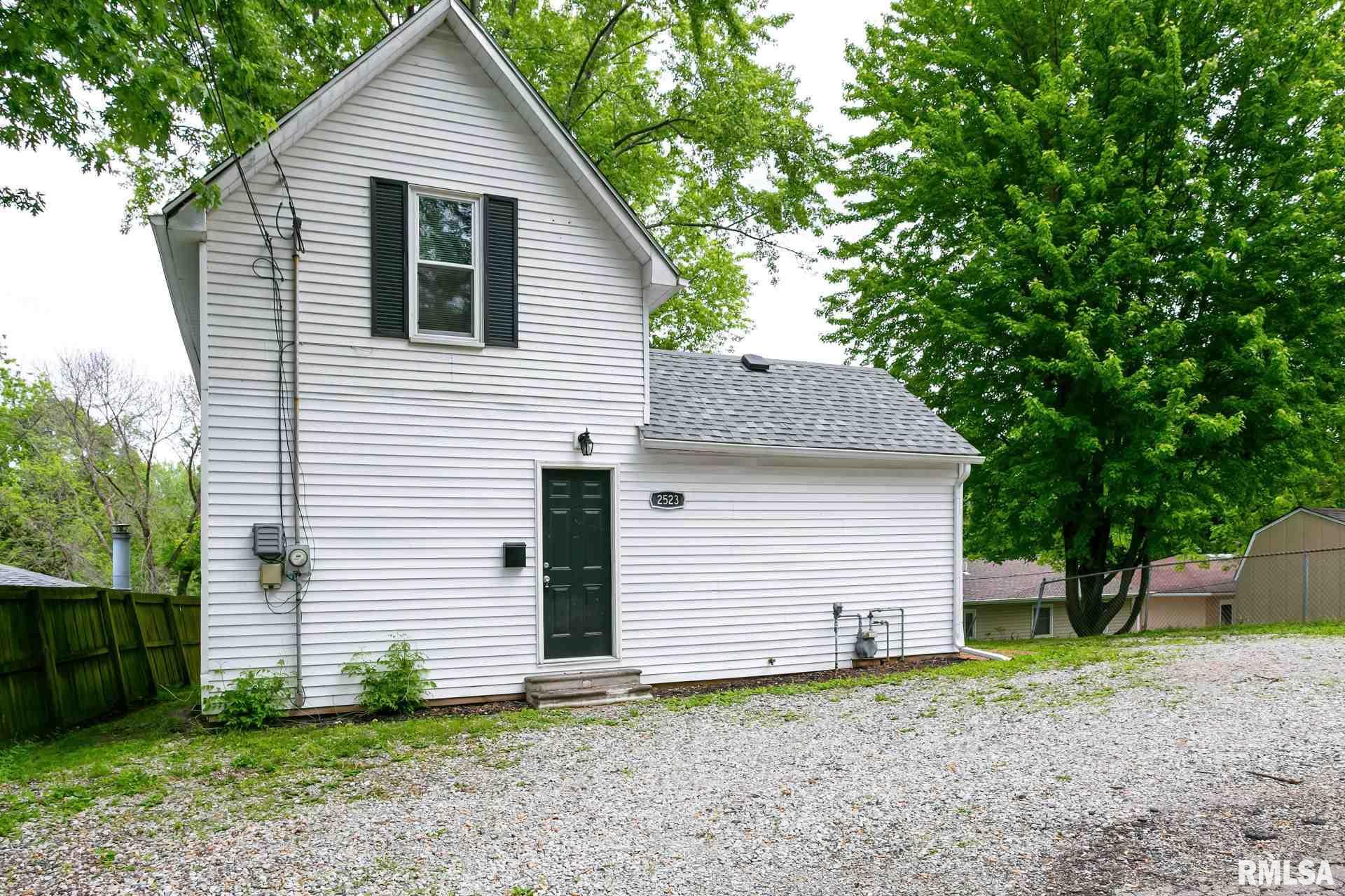 2523 GLENN Property Photo - Bettendorf, IA real estate listing