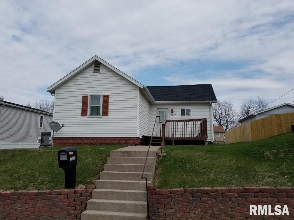 1137 LOGAN Property Photo - Muscatine, IA real estate listing