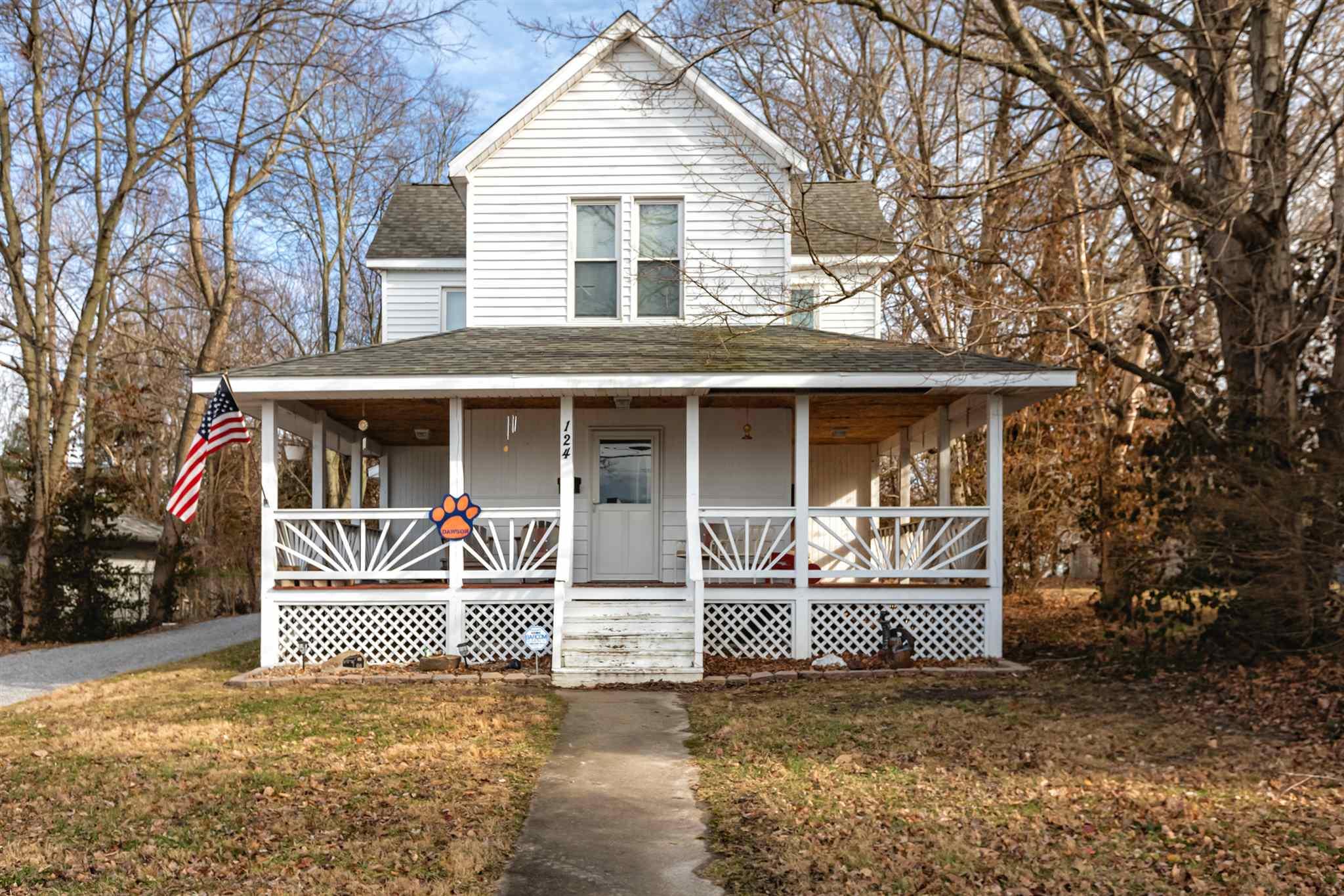 124 Walnut Street Property Photo 1