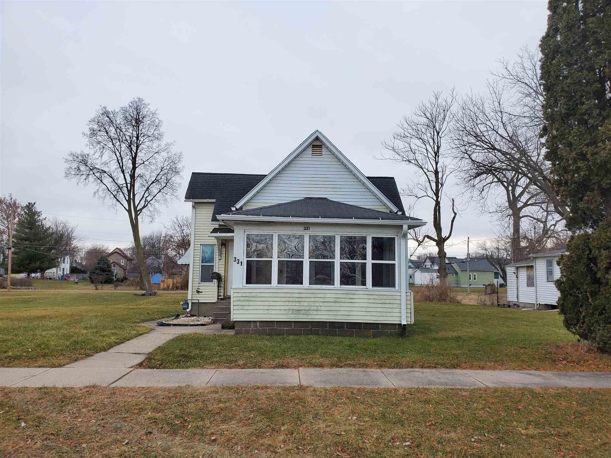 331 2ND Property Photo - Clinton, IA real estate listing