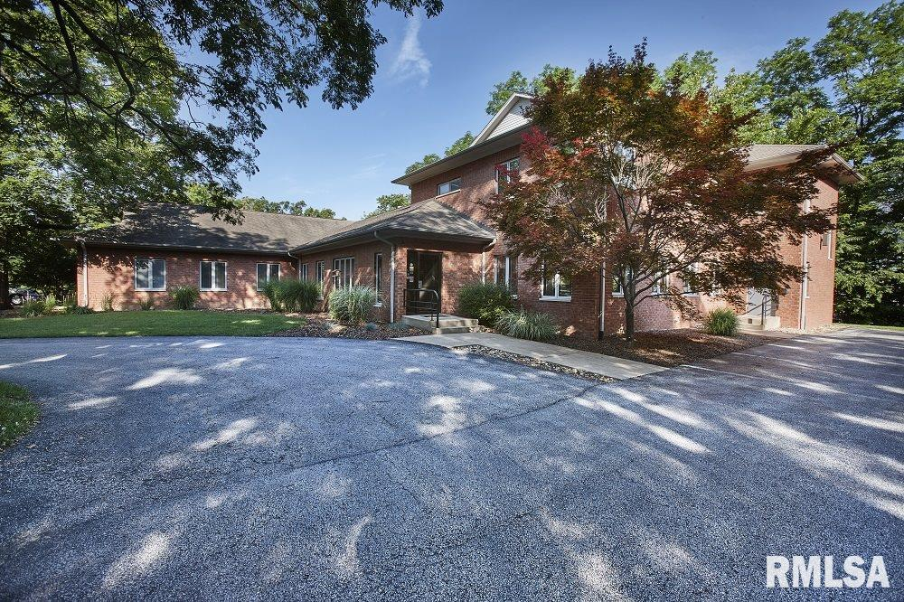 824 17TH Property Photo - Moline, IL real estate listing