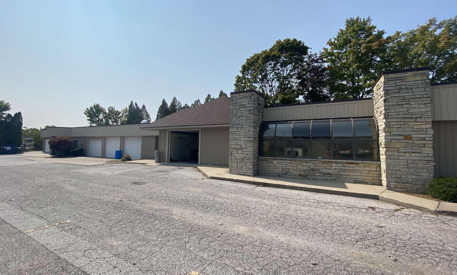 2515 CENTRAL PARK Property Photo - Davenport, IA real estate listing
