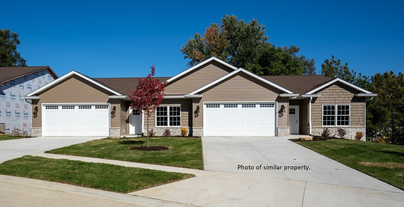 609 TITUS Property Photo - Le Claire, IA real estate listing