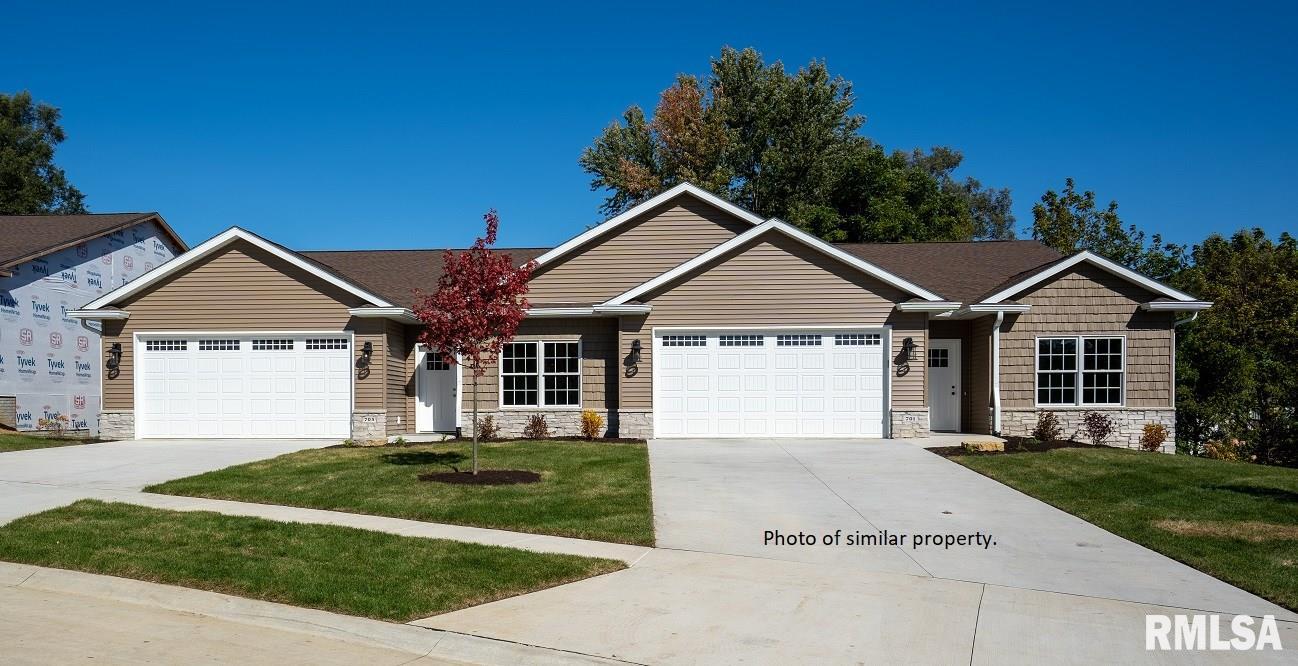 611 TITUS Property Photo - Le Claire, IA real estate listing