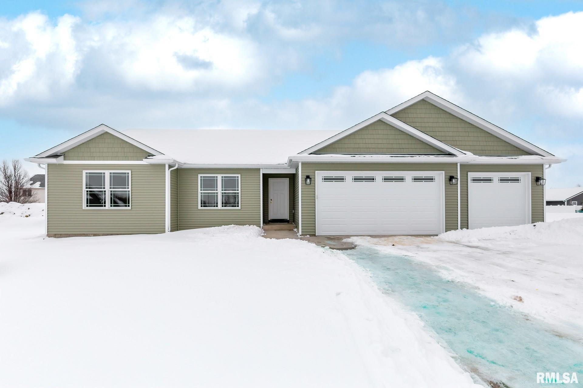 4704 W 12TH Property Photo - Davenport, IA real estate listing