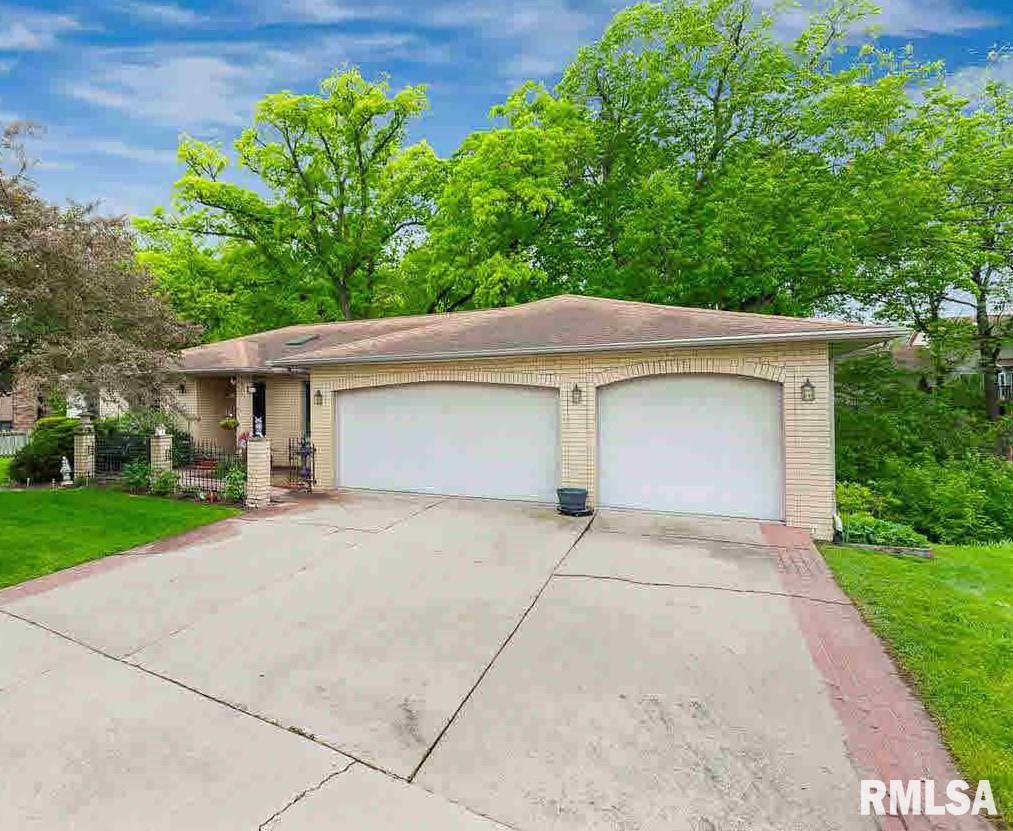 4529 9TH Property Photo - East Moline, IL real estate listing
