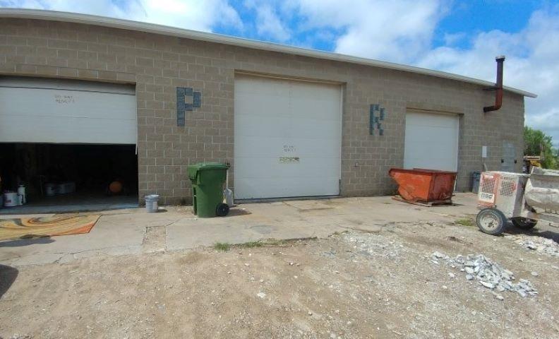 2654 W CENTRAL PARK Property Photo - Davenport, IA real estate listing
