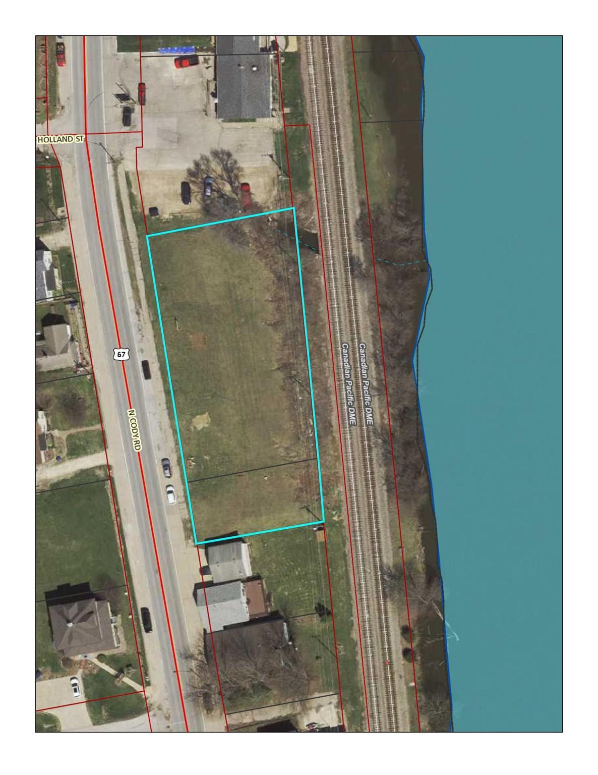 613-627 CODY Property Photo - Le Claire, IA real estate listing