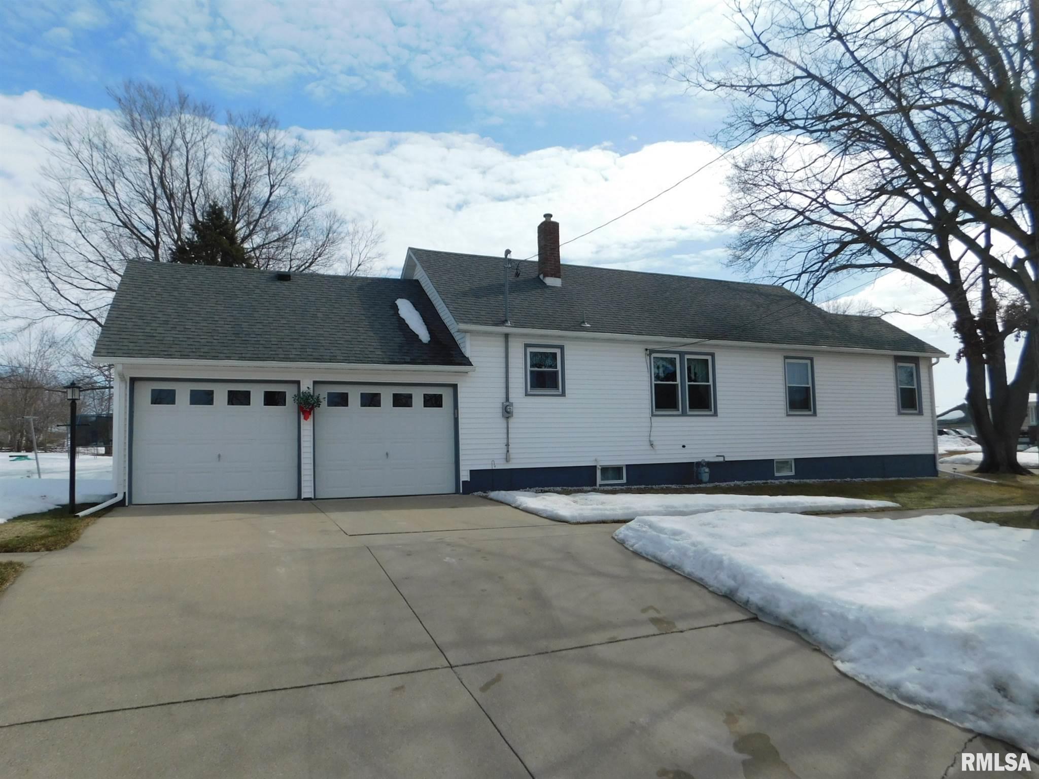 418 W 2ND Property Photo - Tipton, IA real estate listing