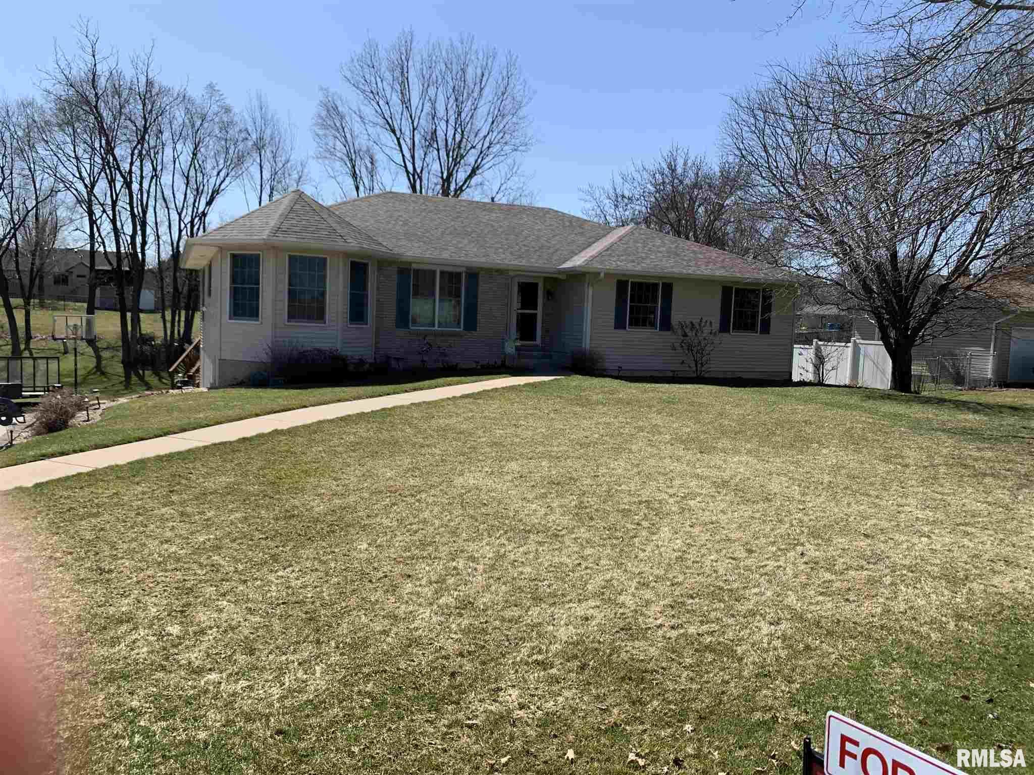 10943 REDWOOD Property Photo - Davenport, IA real estate listing