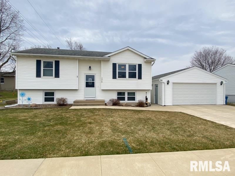 1215 8TH Property Photo - De Witt, IA real estate listing