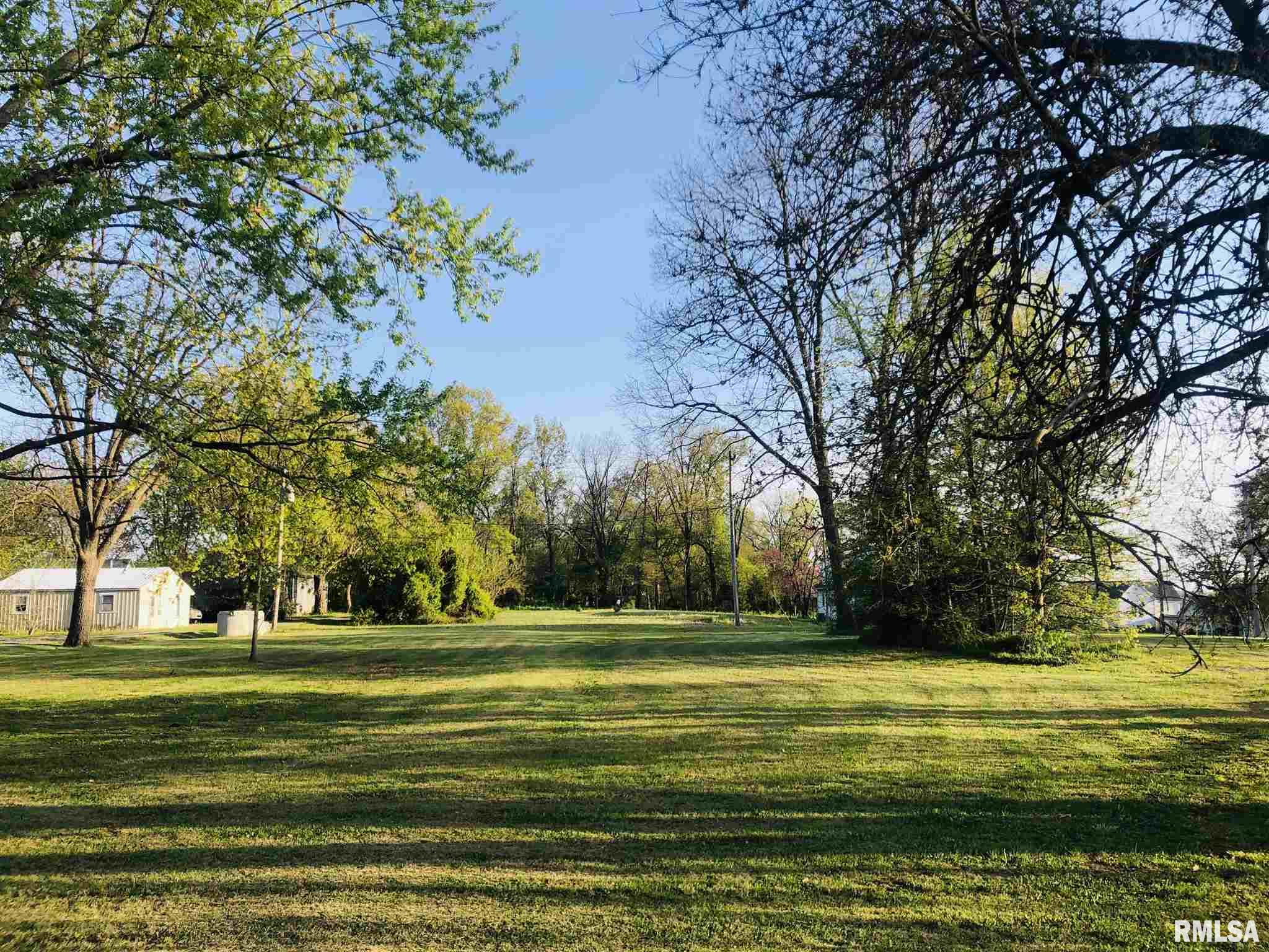 307 W BROADWAY Property Photo - McLeansboro, IL real estate listing