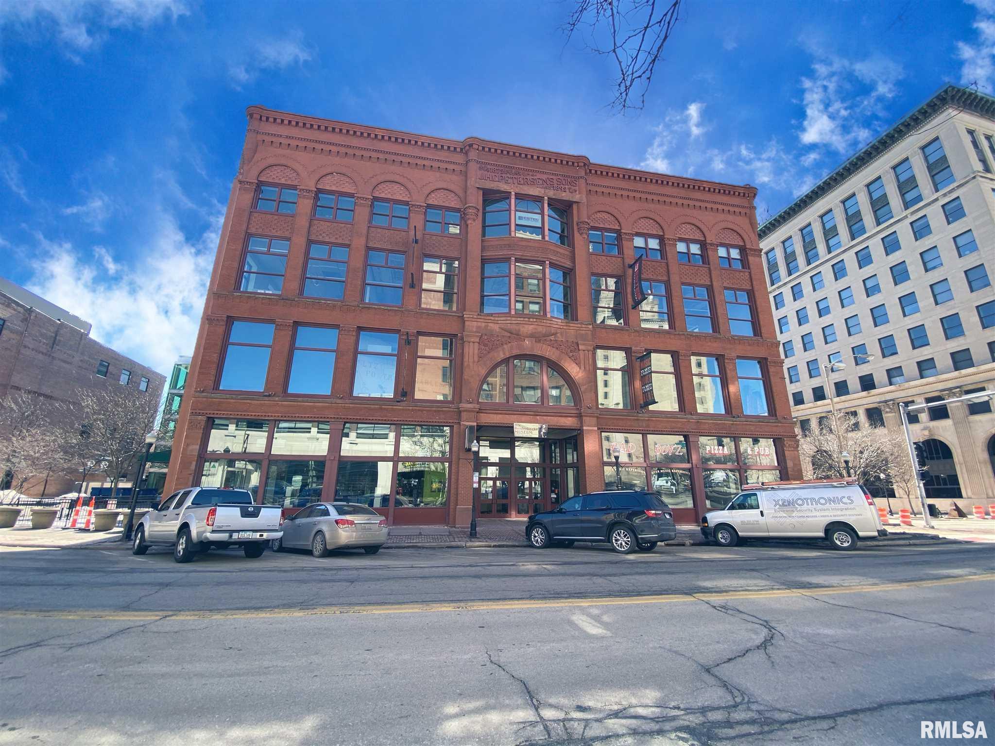 131 W 2ND Property Photo - Davenport, IA real estate listing