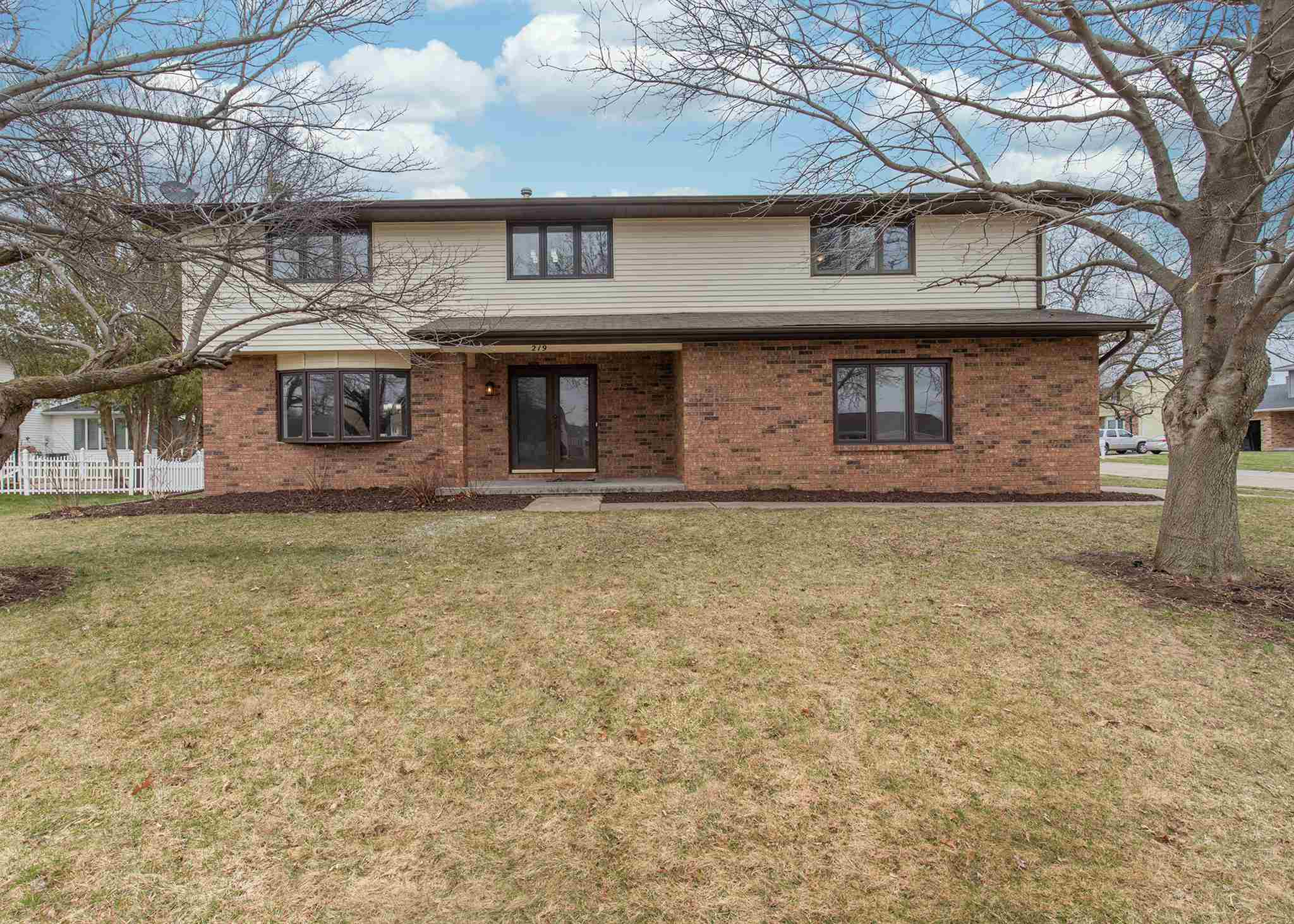 219 S 8TH Property Photo - Eldridge, IA real estate listing