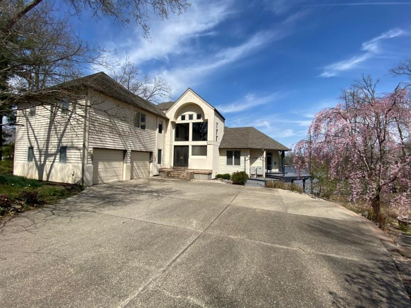 104 Lake Indian Hills Property Photo 2