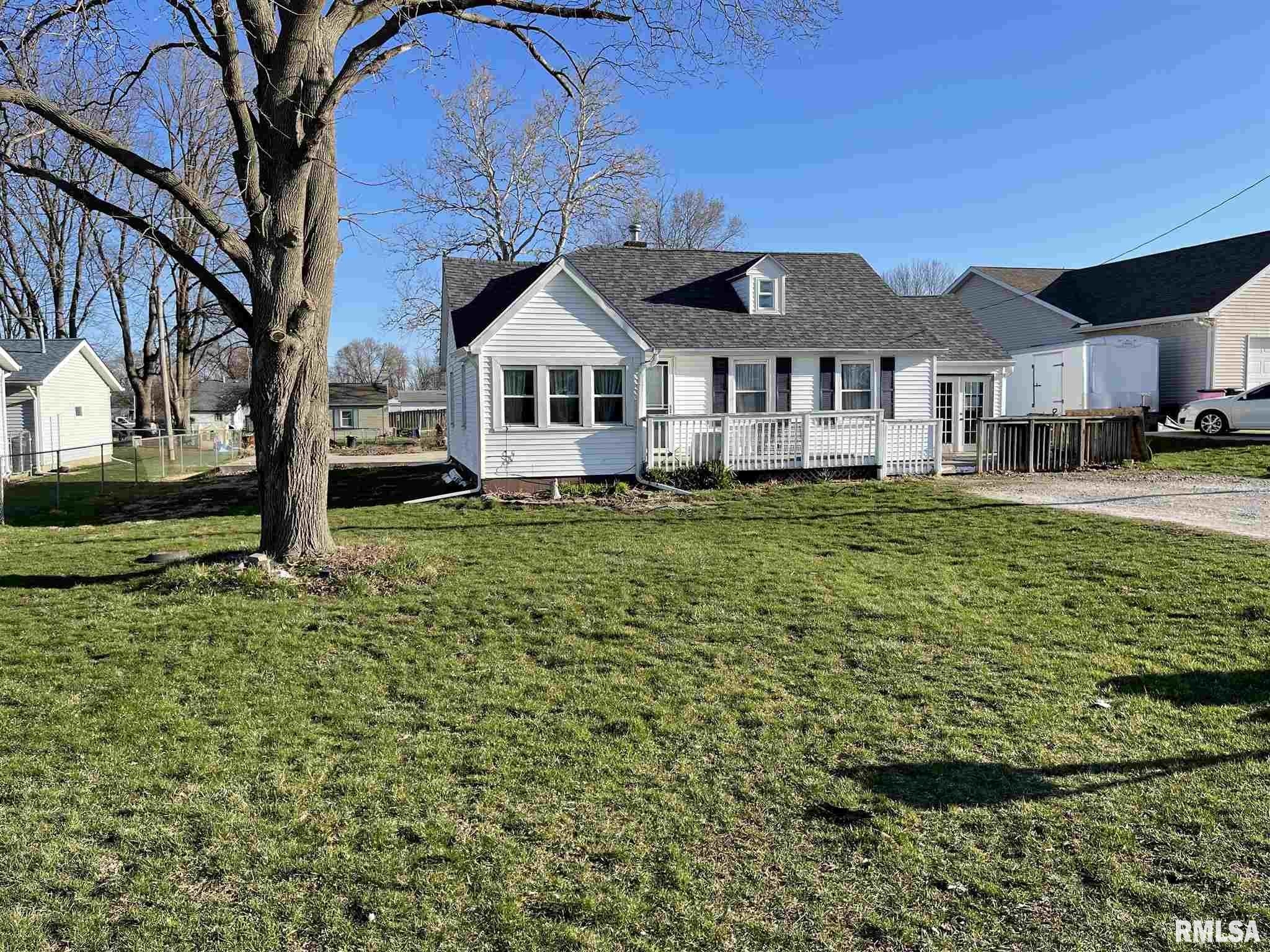 305 5TH Property Photo - Colona, IL real estate listing