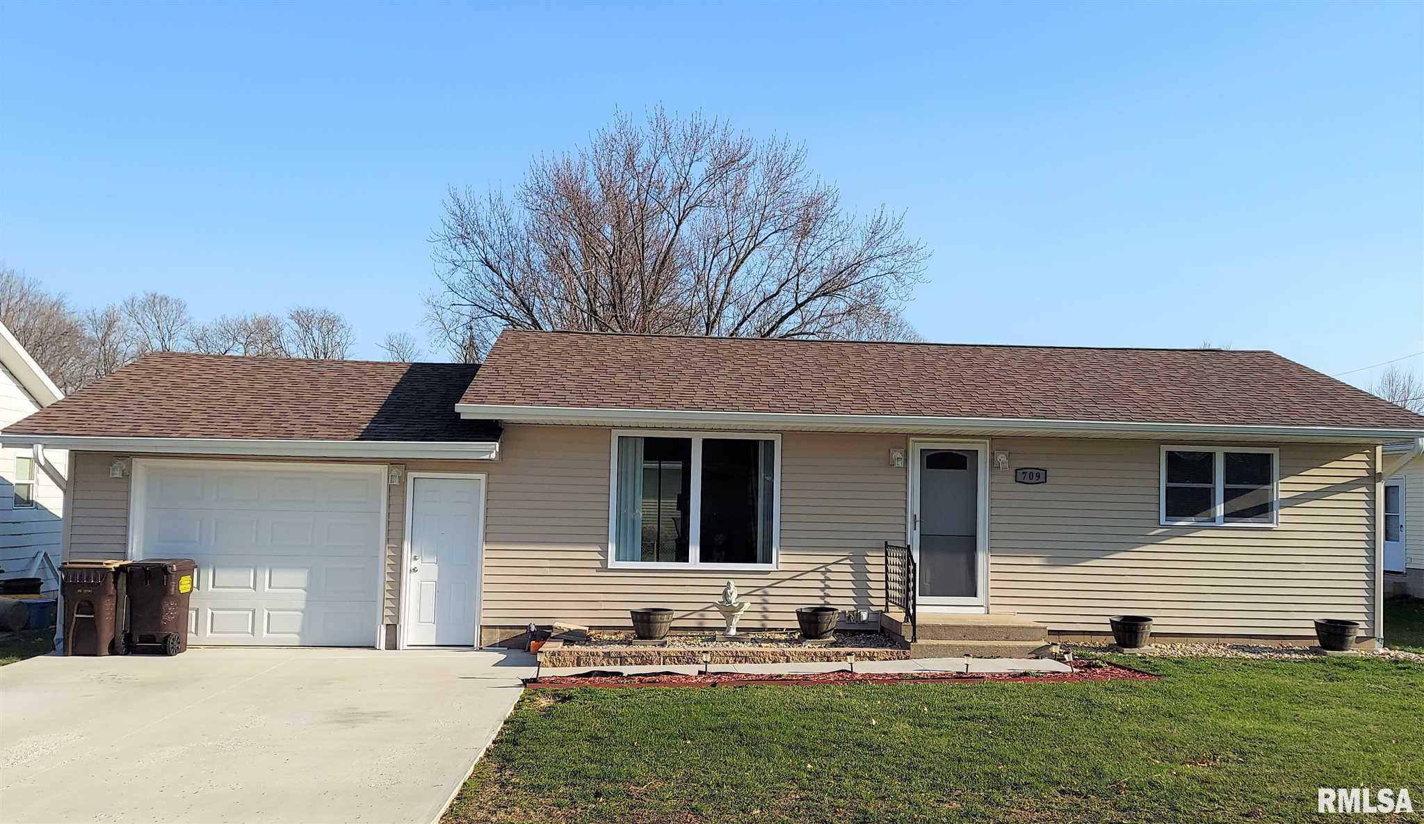 709 FOWLER Property Photo - Fulton, IL real estate listing