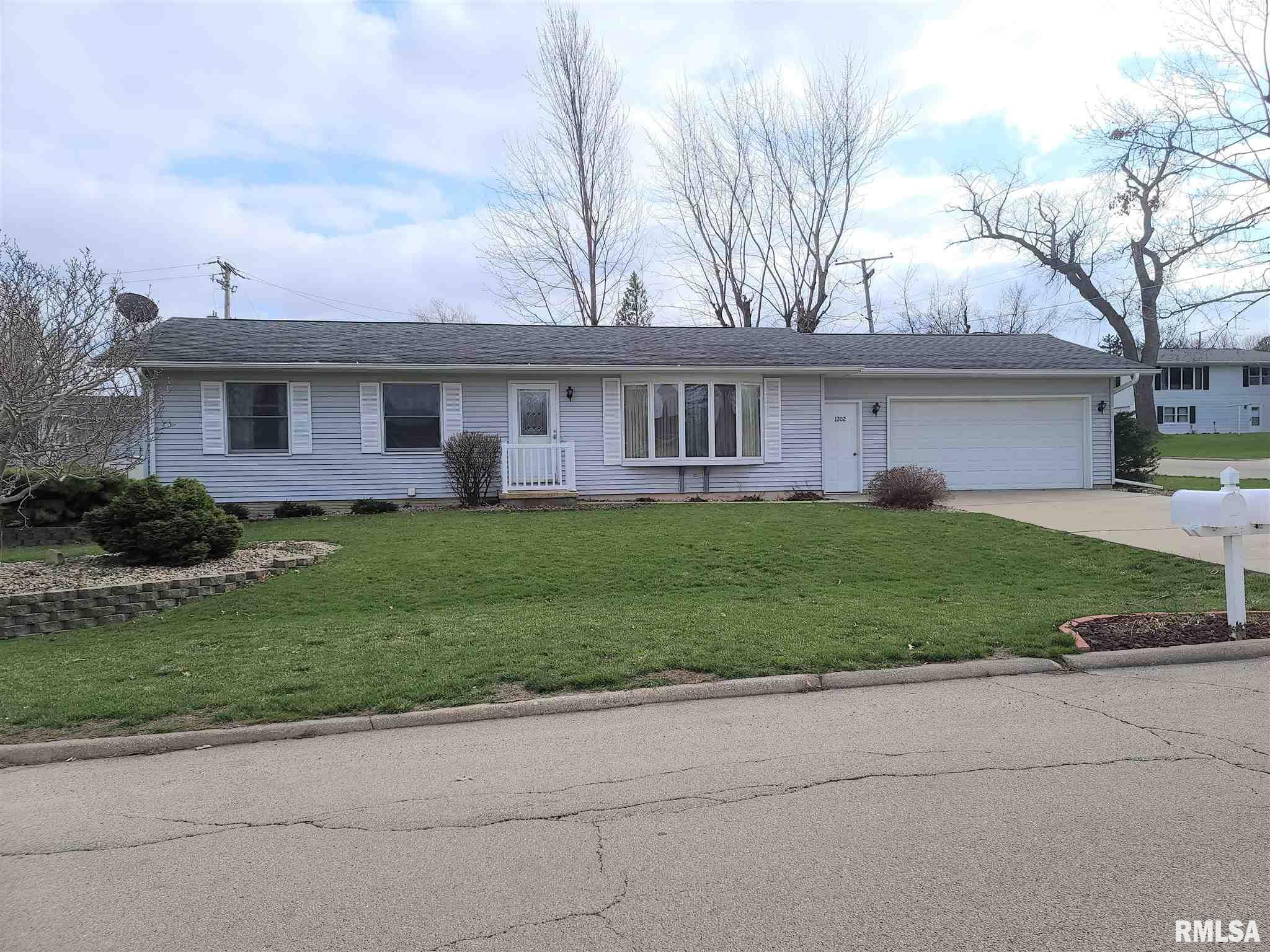 1202 FOWLER Property Photo - Fulton, IL real estate listing