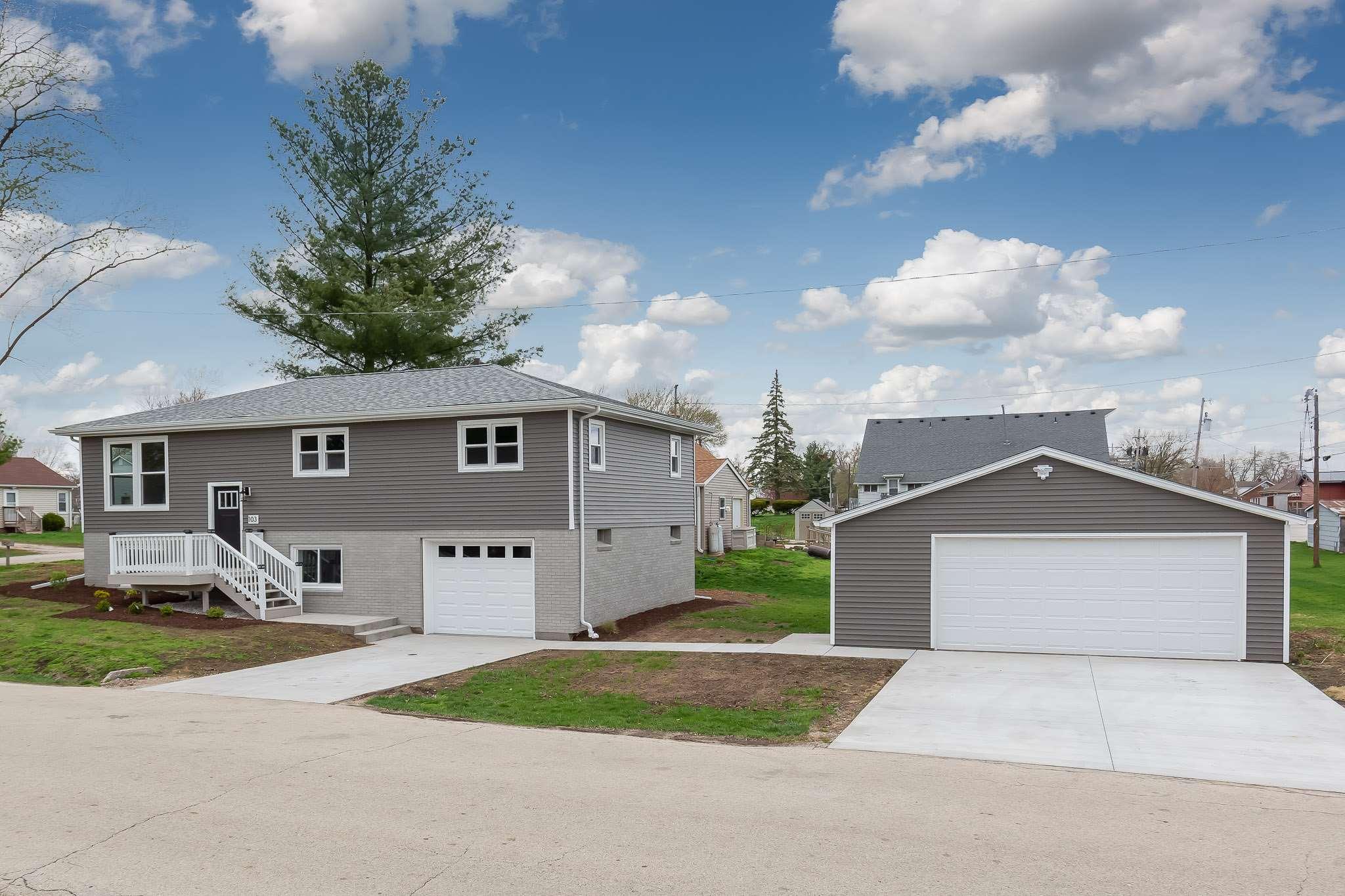 103 8TH Property Photo - Colona, IL real estate listing